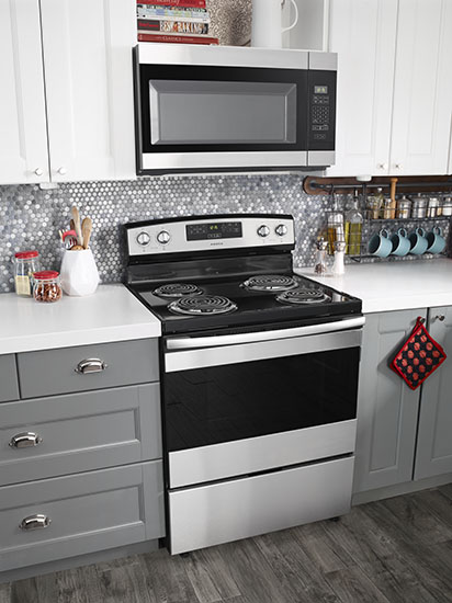 Model: ACR4303MFS   Amana 30-inch Electric Range with Bake Assist Temps