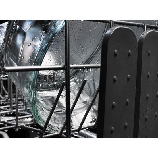 44 dBA Dishwasher with Dynamic Wash Arms