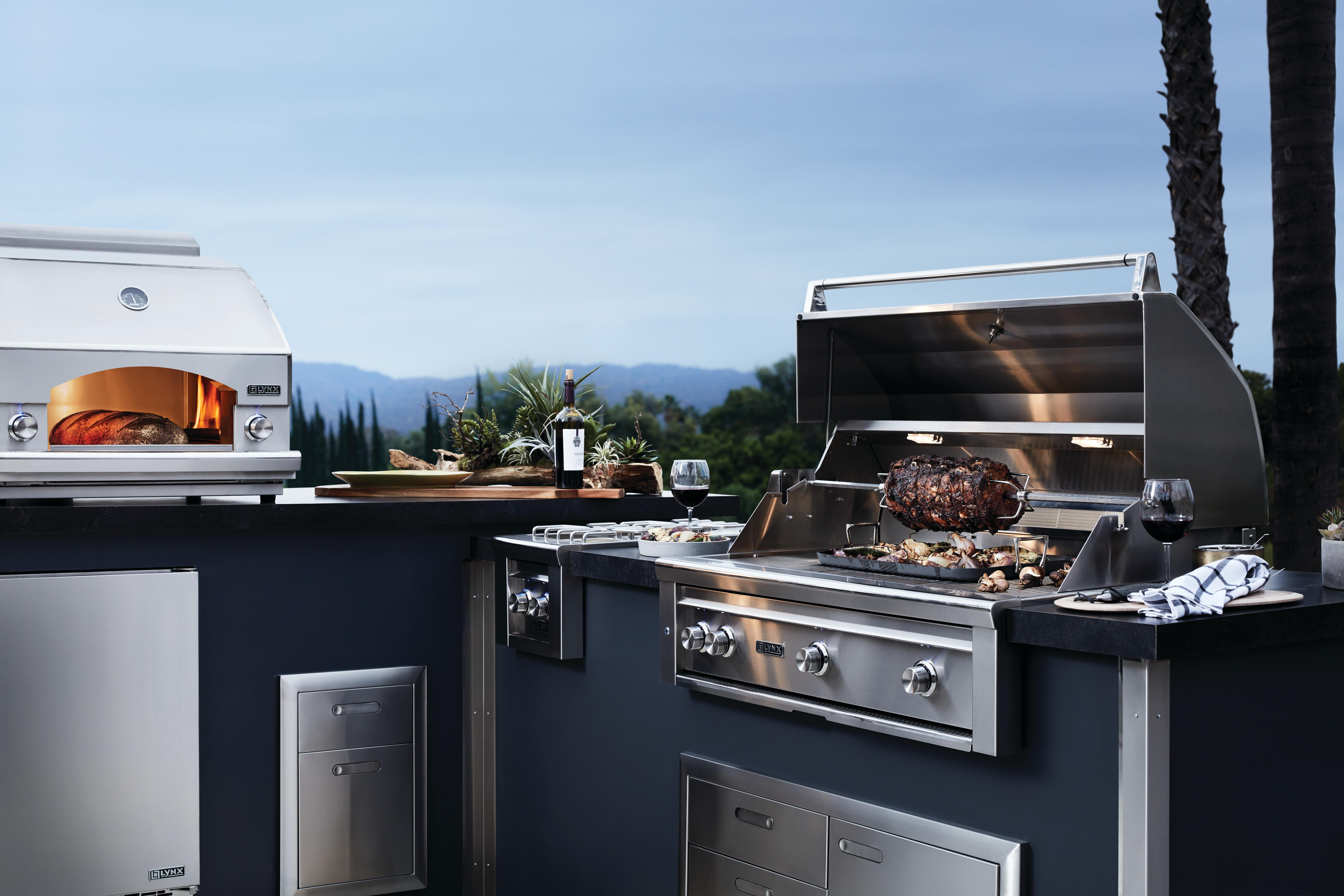 "Model: LM24REFCR | 24"" Refrigerator Freezer Combo, Right"