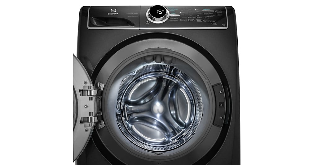 Model: EFLS627UTT | Front Load Perfect Steam™ Washer with LuxCare® Wash and SmartBoost® - 4.4 Cu.Ft.