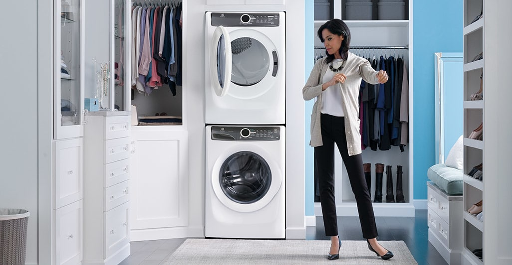 Model: EFME427UIW | Front Load Perfect Steam™ Electric Dryer with 7 cycles - 8.0 Cu. Ft.