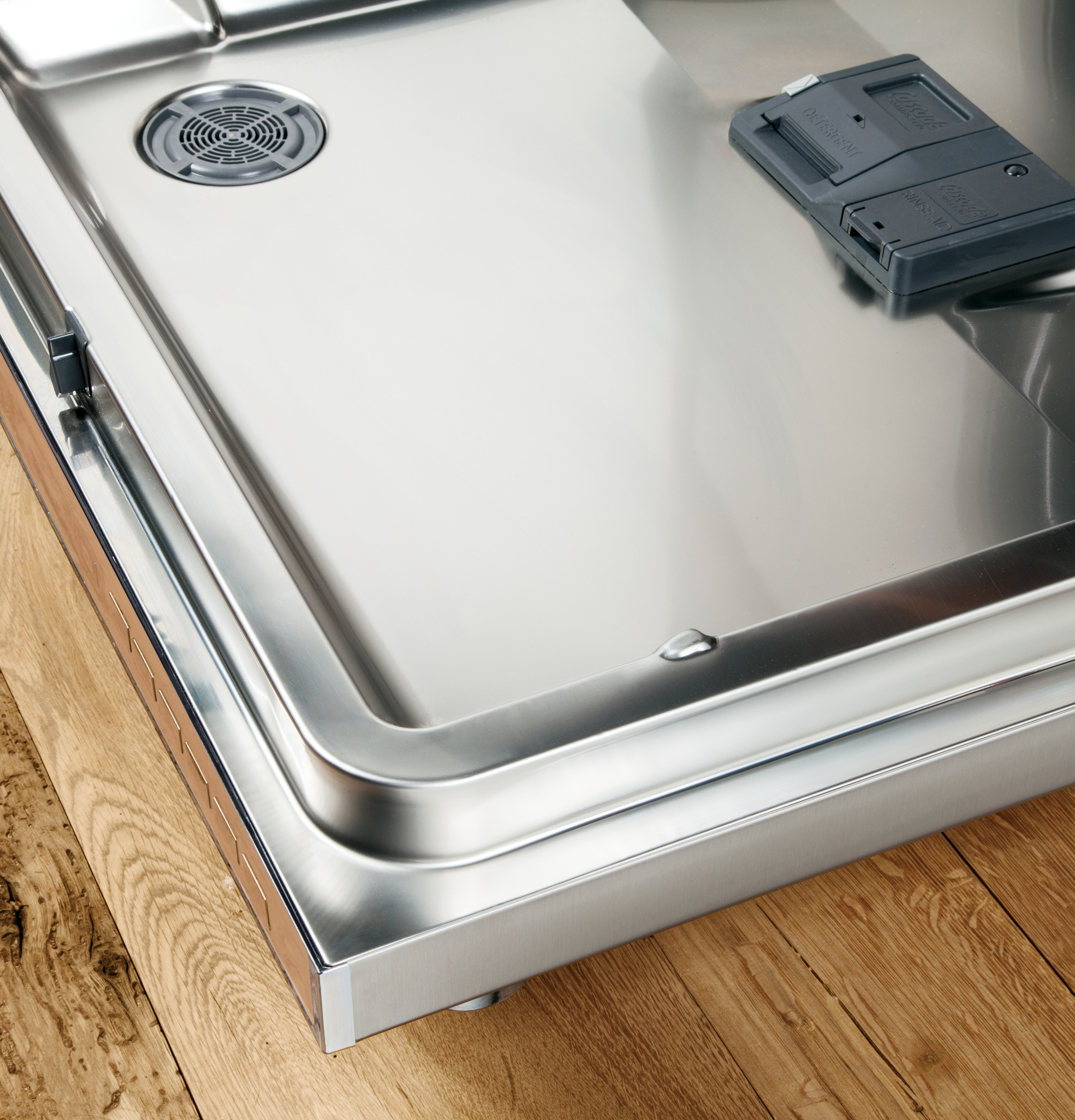 Model: GDT655SBLTS | GE® Stainless Steel Interior Dishwasher with Hidden Controls