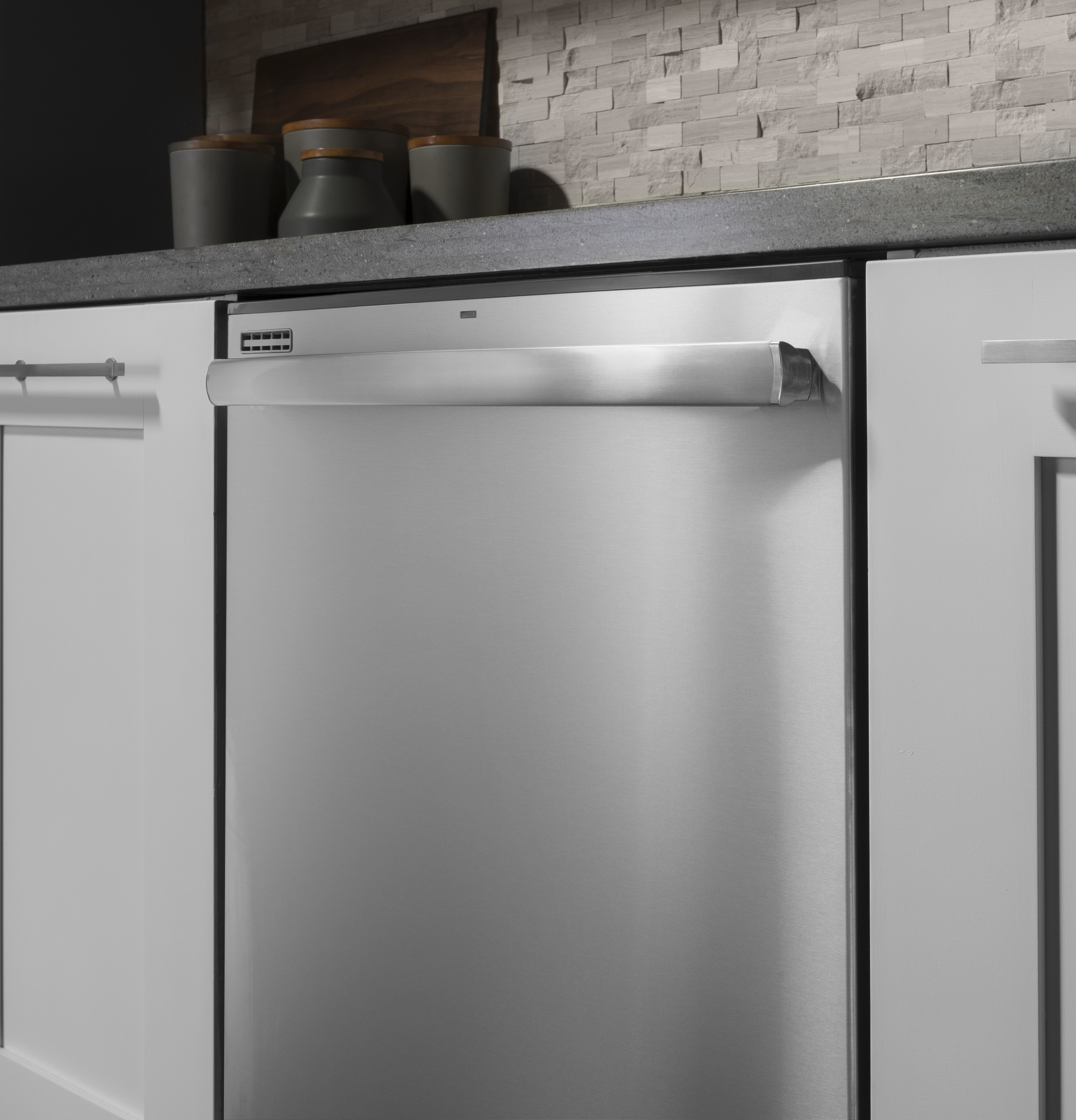 Model: GDT605PSMSS | GE® Dishwasher with Hidden Controls