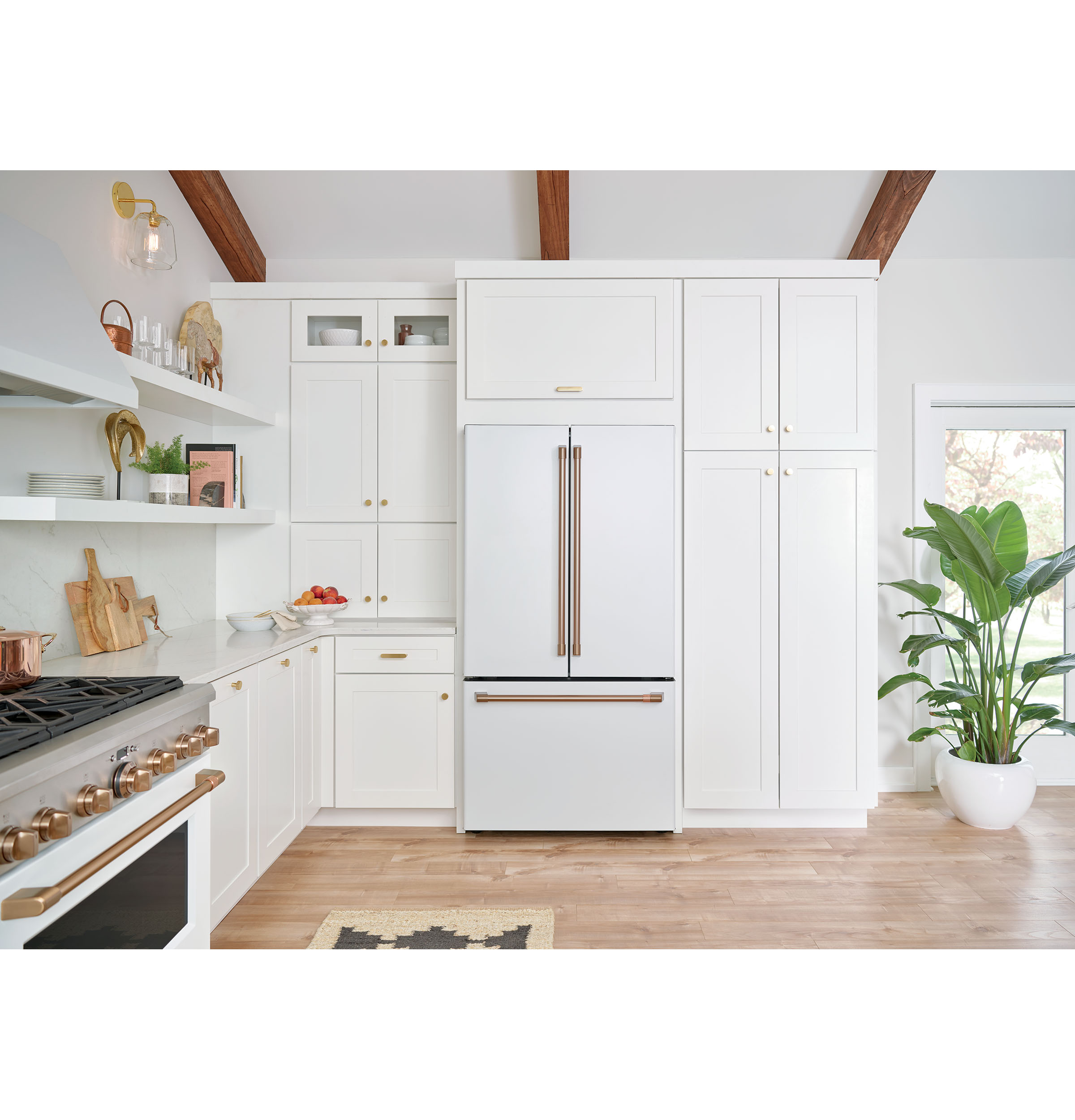 Model: CWE23SP4MW2 | Café™ ENERGY STAR® 23.1 Cu. Ft. Counter-Depth French-Door Refrigerator
