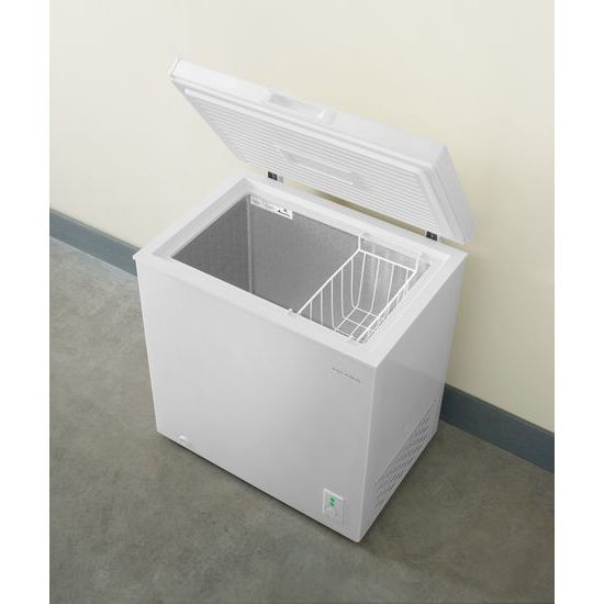 Model: AQC0501GRW | Amana 5.3 Cu. Ft. Compact Freezer with 2 Rollers