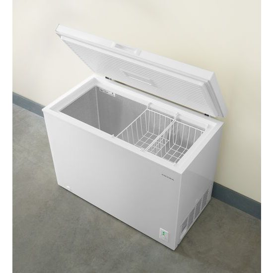 Model: AQC0902GRW | 9.0 Cu. Ft. Compact Freezer with Flexible Installation