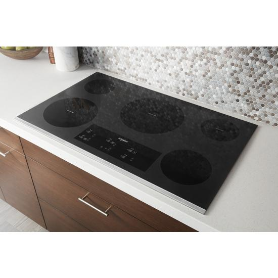 Model: WCE97US6HS | 36-inch Electric Ceramic Glass Cooktop with Triple Radiant Element