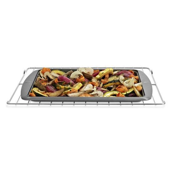Model: WFG320M0BW | Whirlpool 5.1 cu. ft. Freestanding Gas Range with Under-Oven Broiler