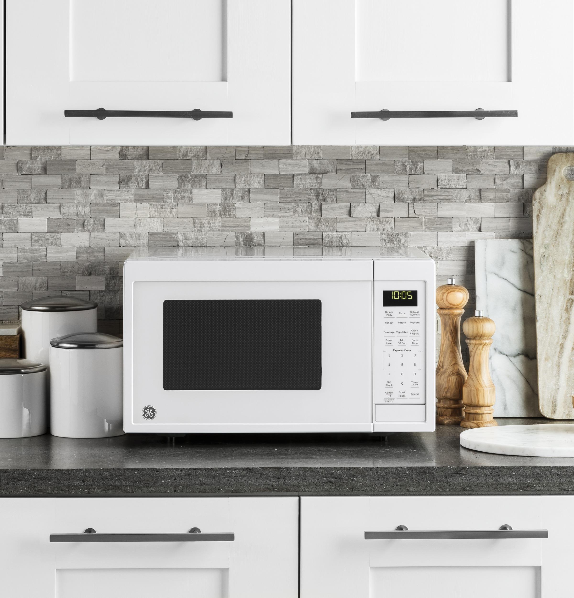 Model: JES1095DMBB | GE® 0.9 Cu. Ft. Capacity Countertop Microwave Oven
