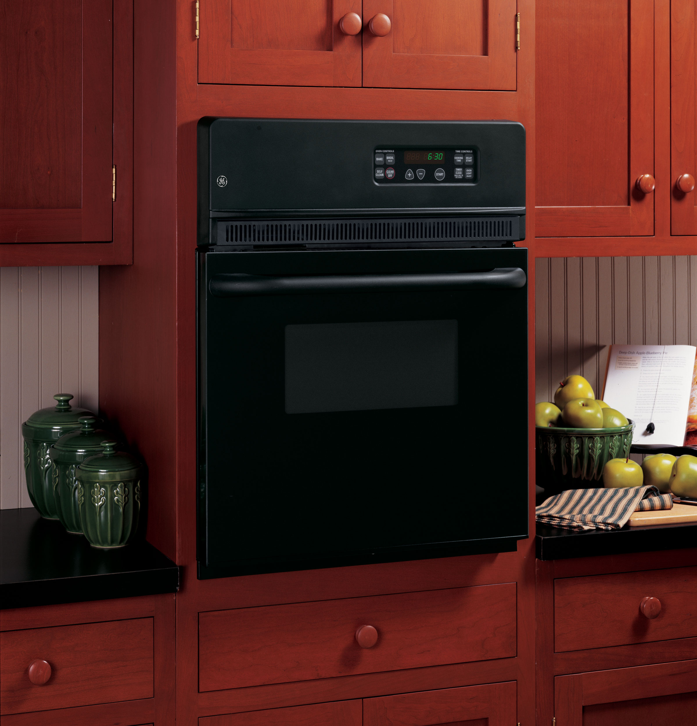 "Model: JRP20BJBB | GE GE® 24"" Electric Single Self-Cleaning Wall Oven"