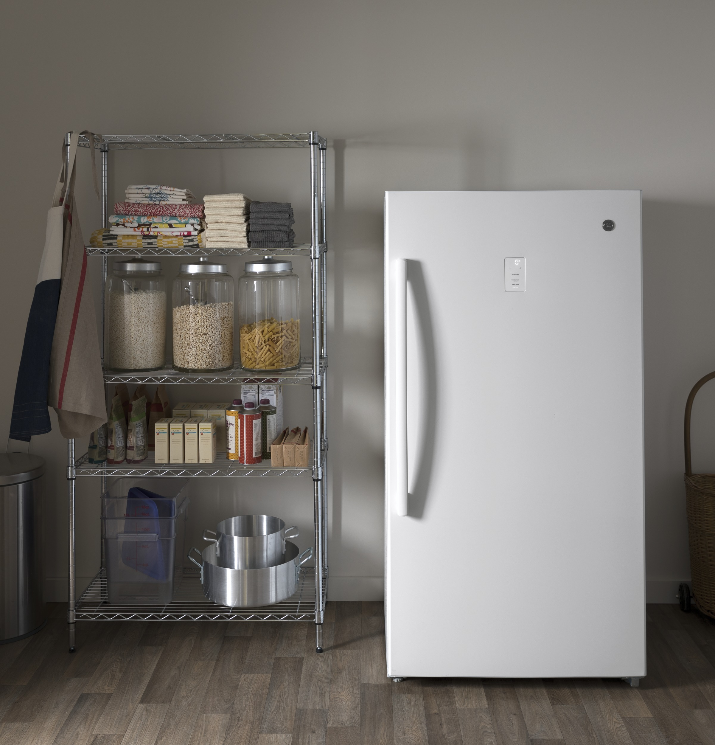 Model: FUF17SMRWW | GE GE® 17.3 Cu. Ft. Frost-Free Upright Freezer