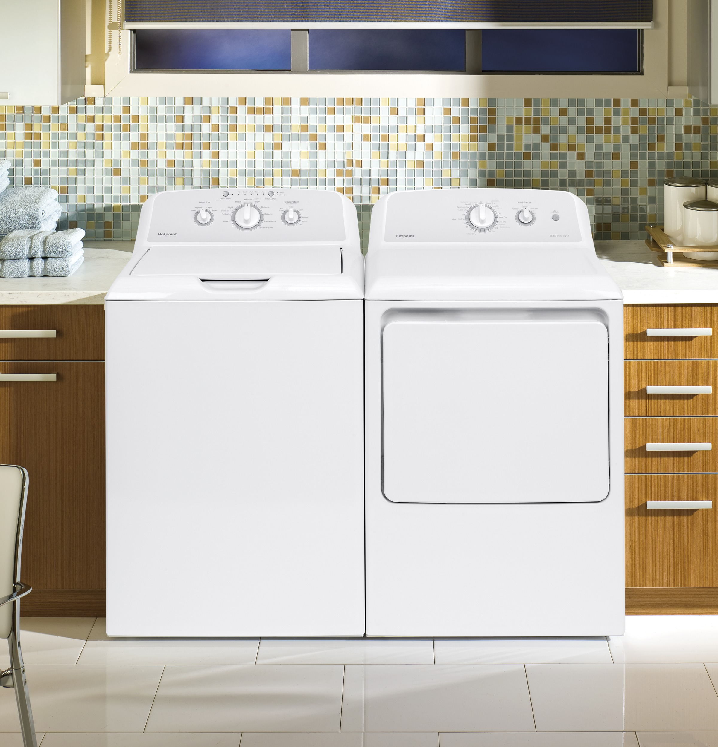 Model: HTW240ASKWS | Hotpoint® 3.8 cu. ft. Capacity Washer with Stainless Steel Basket