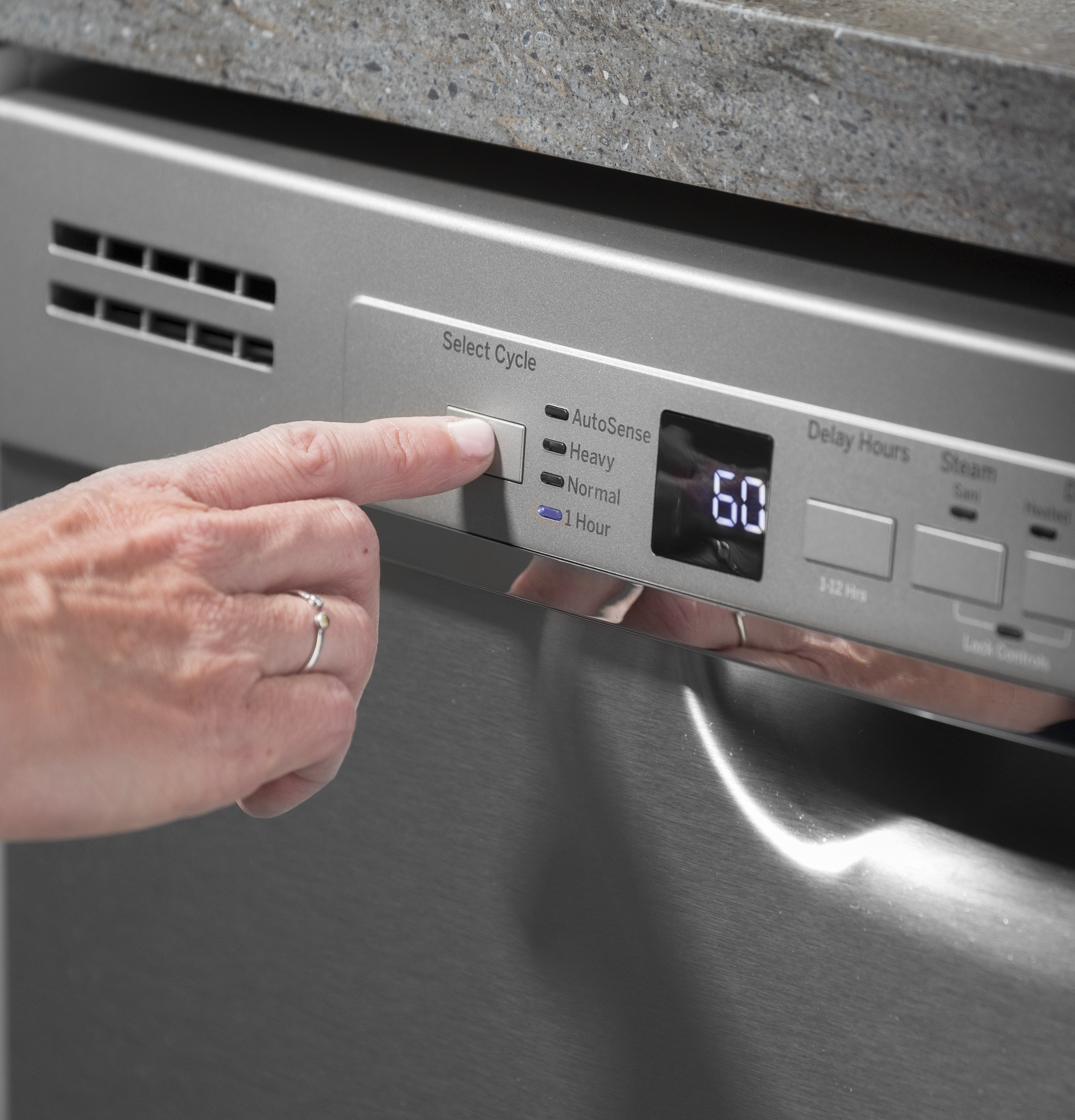 Model: GDF530PGMWW | GE GE® Dishwasher with Front Controls