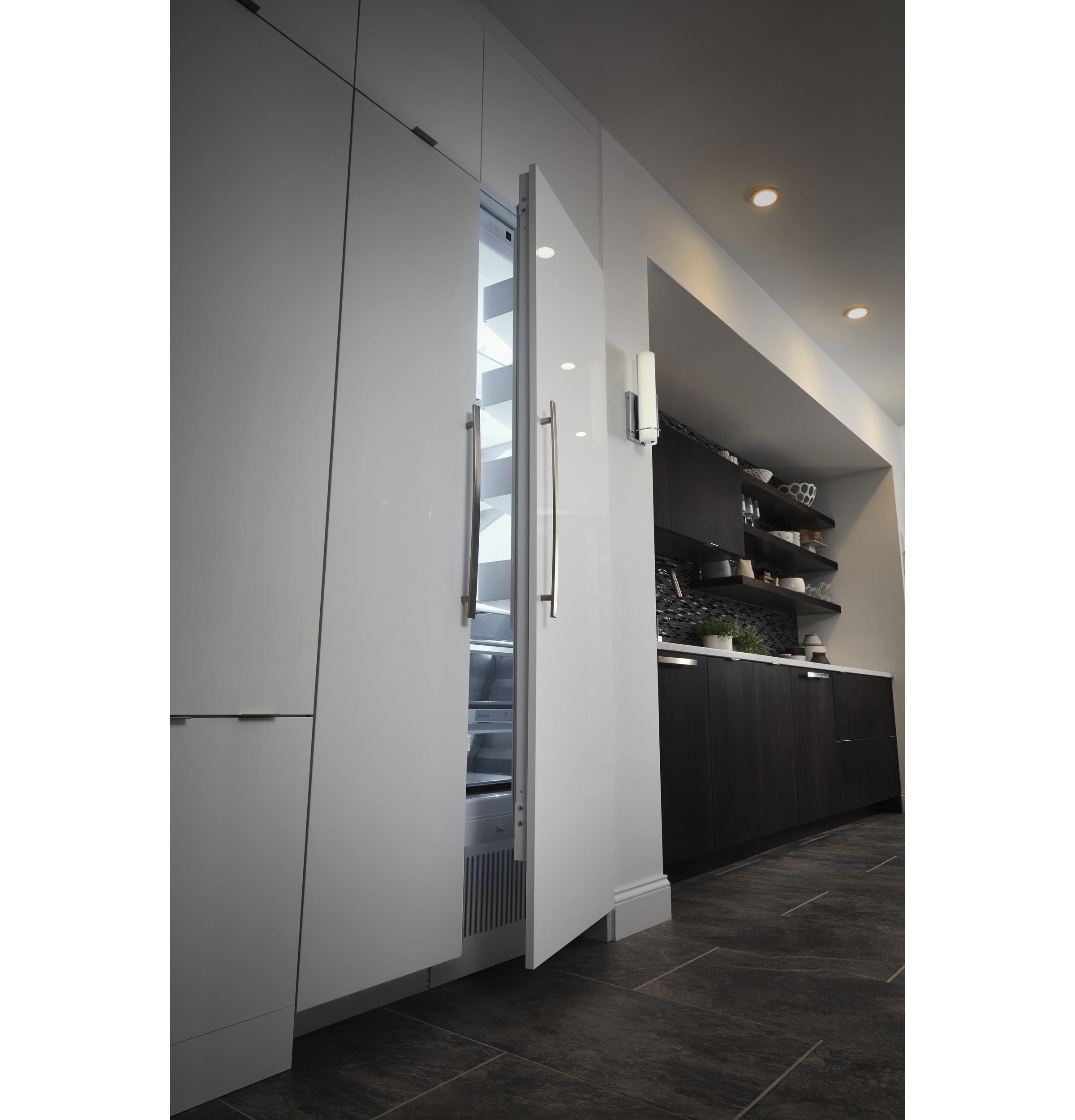 "Model: ZIR300NPKII | Monogram Monogram 30"" Integrated Column Refrigerator"