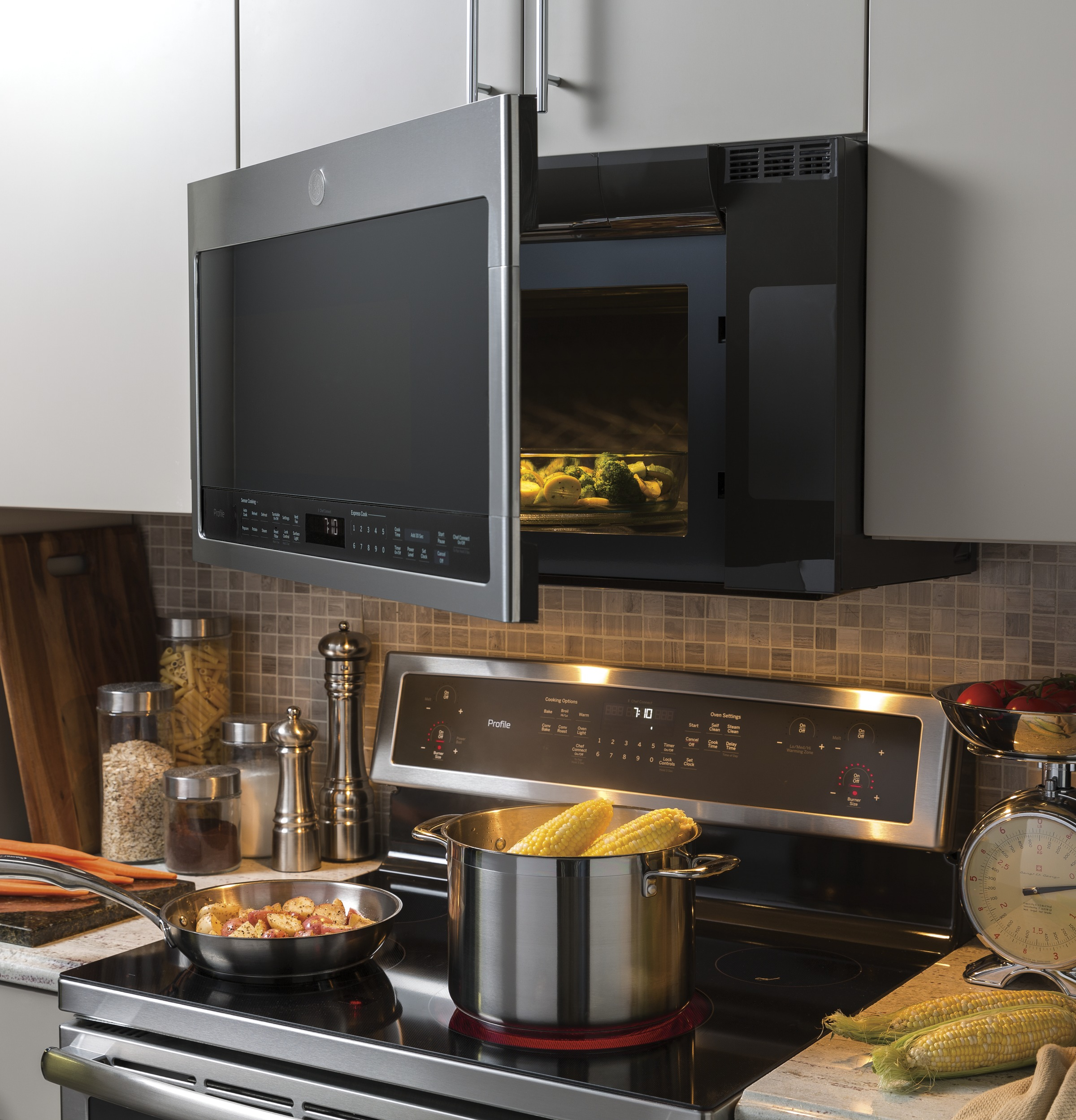 Model: PVM9005SJSS | GE Profile™ Series 2.1 Cu. Ft. Over-the-Range Sensor Microwave Oven