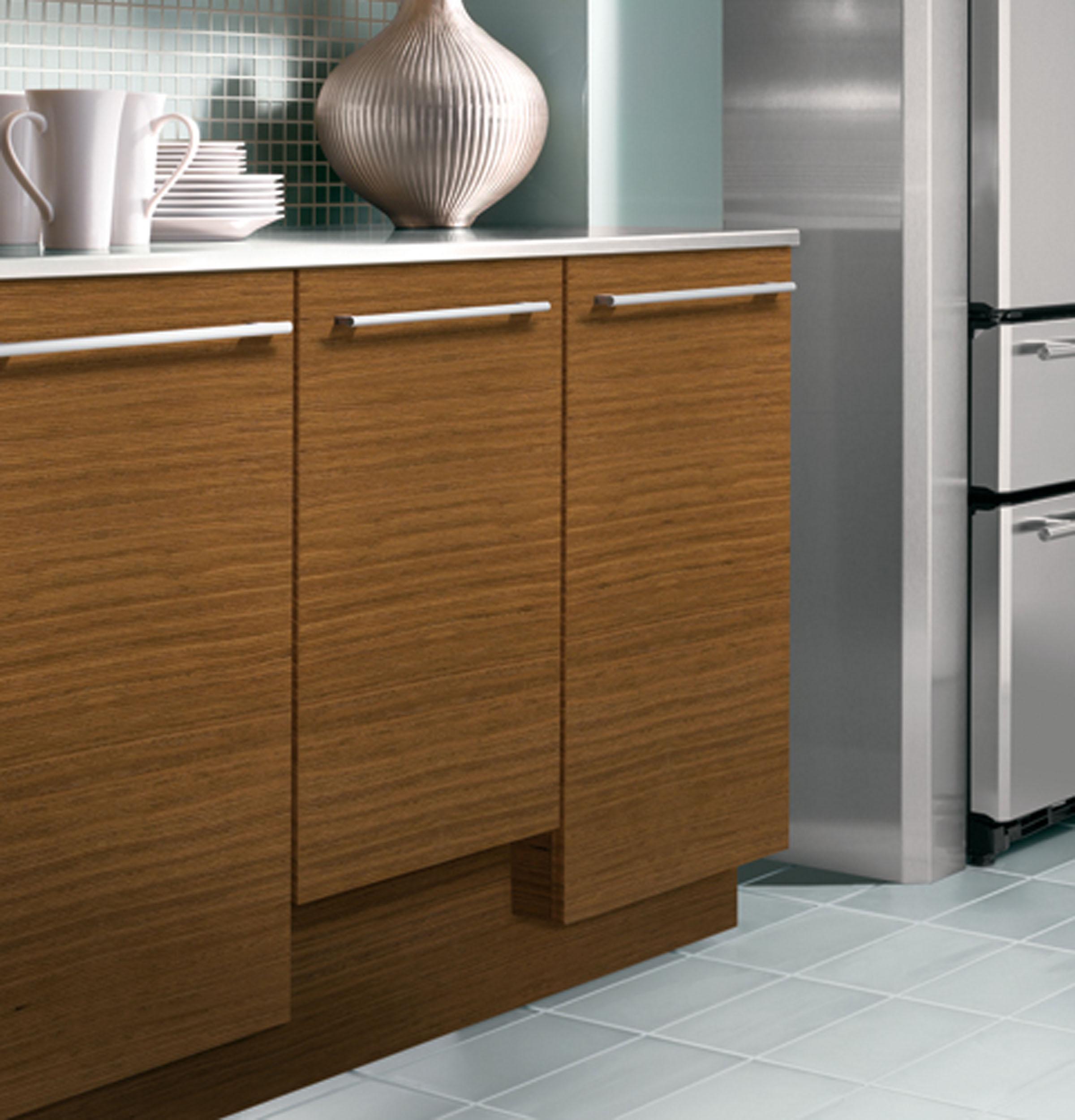 "Model: ZDT165SILII   Monogram Monogram 18"" Dishwasher"
