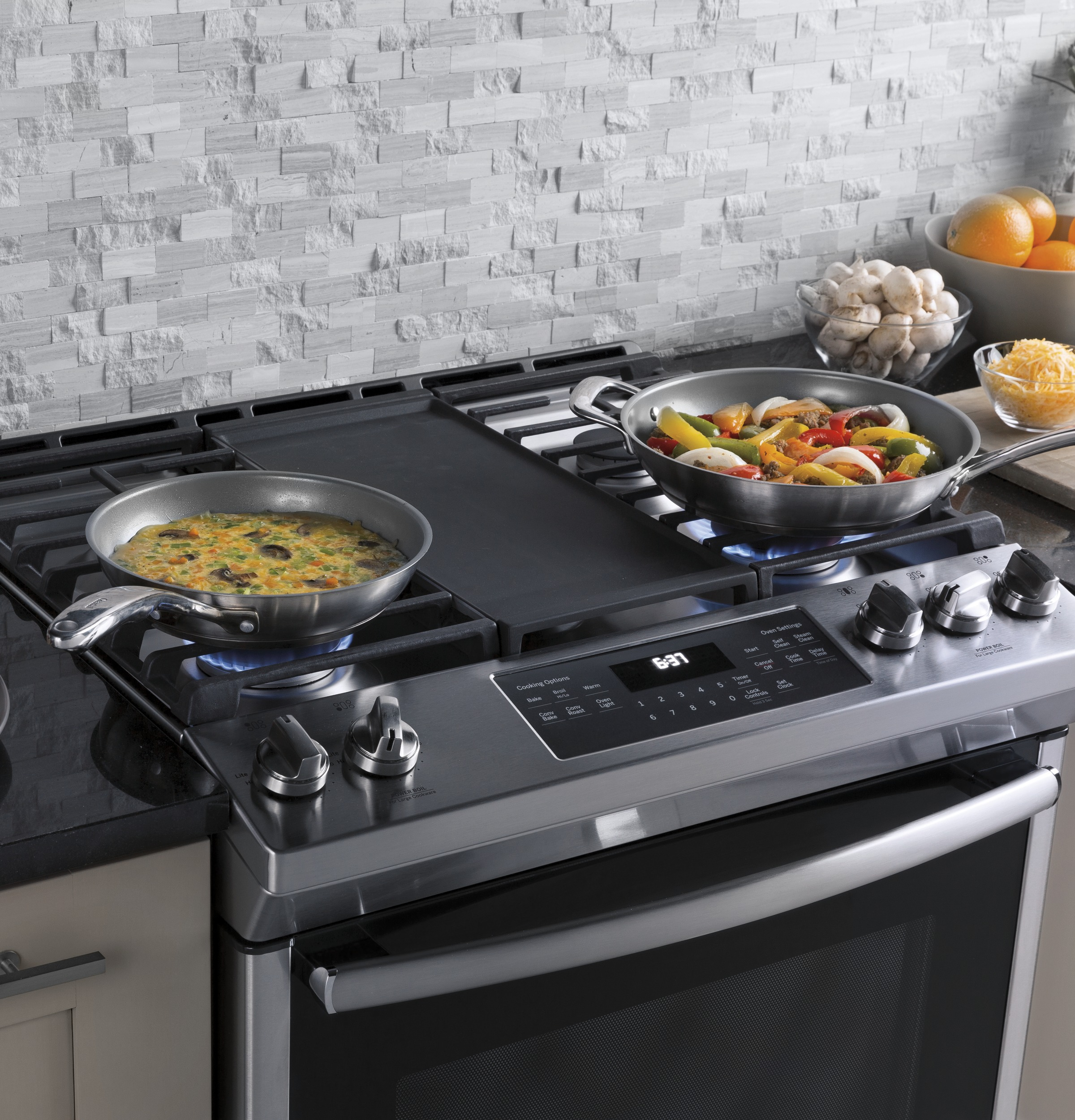 "Model: JGS760SELSS | GE GE® 30"" Slide-In Front-Control Convection Gas Range"
