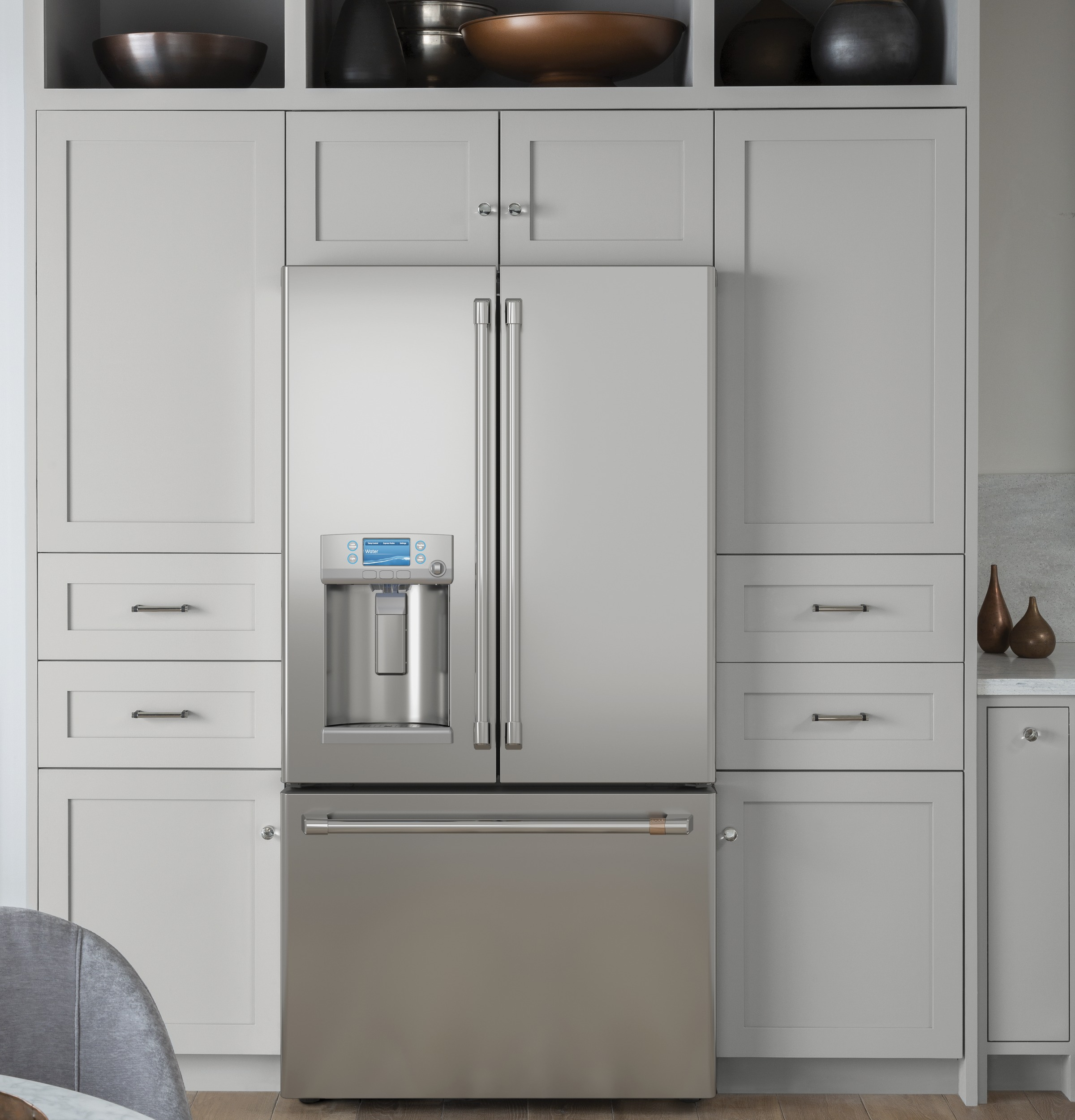 Model: CFE28TP2MS1 | Cafe Café™ ENERGY STAR® 27.7 Cu. Ft. Smart French-Door Refrigerator with Hot Water Dispenser
