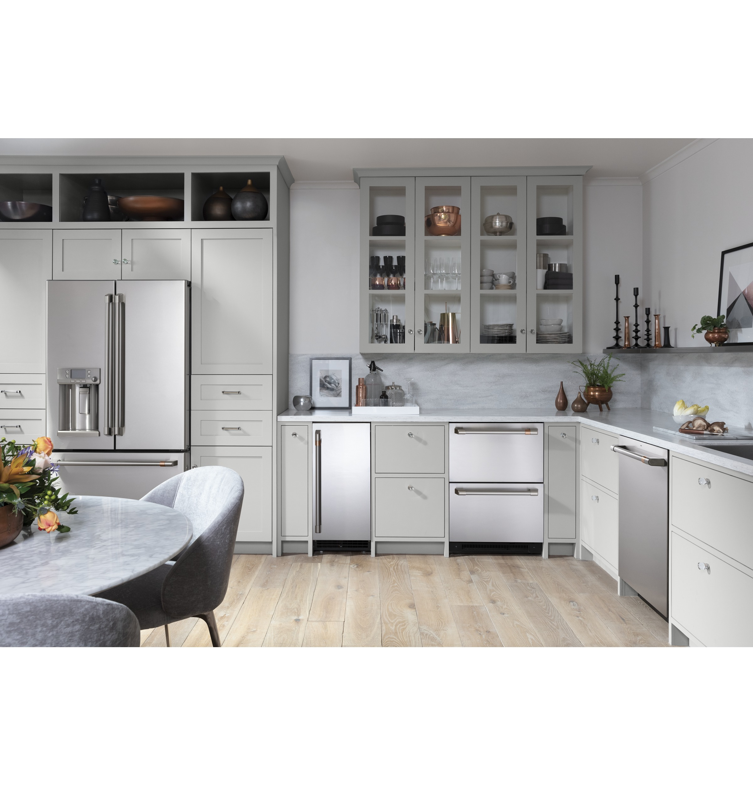 Model: CDT805P2NS1 | Cafe Café™ Stainless Interior Built-In Dishwasher with Hidden Controls