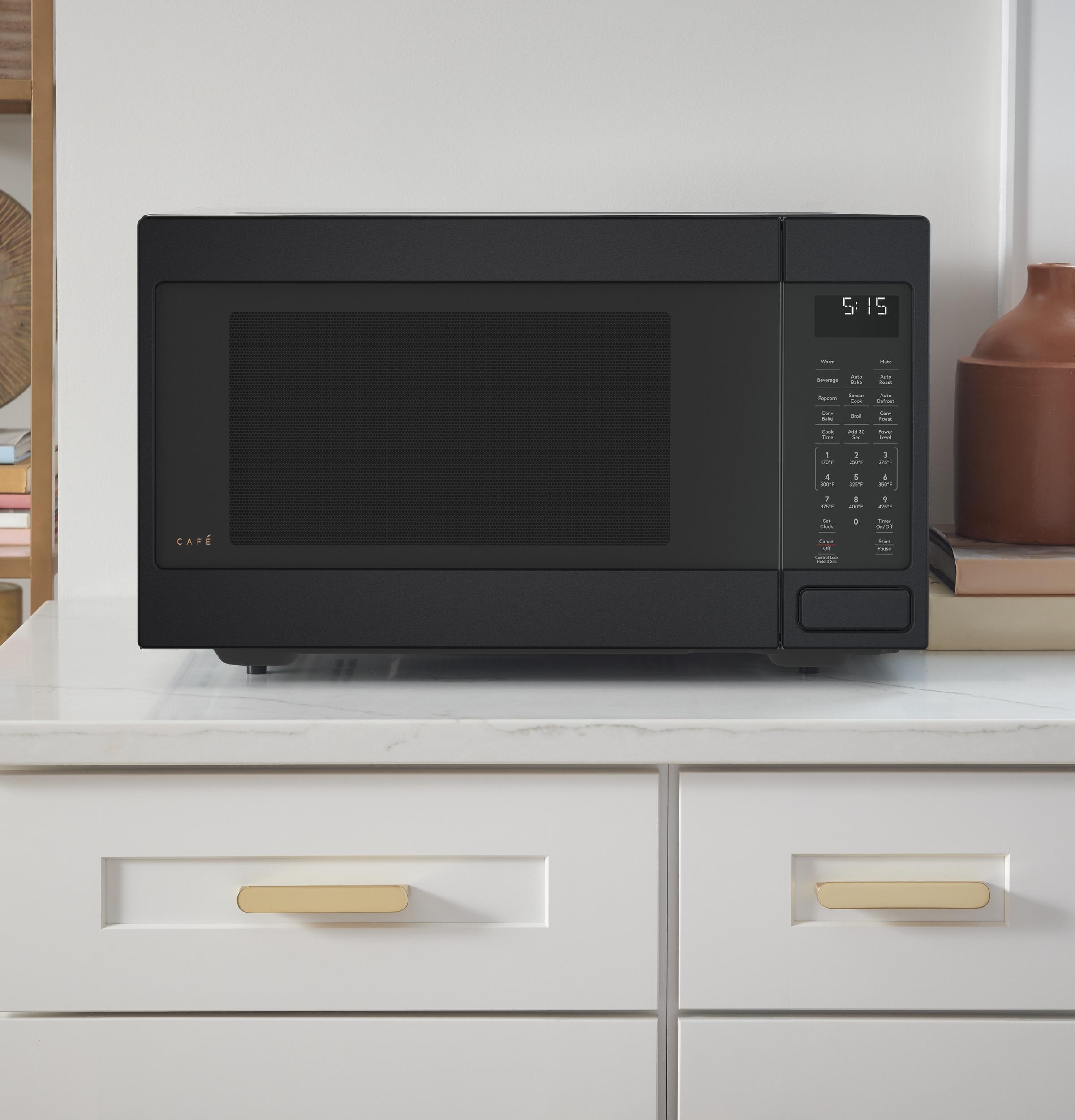 Model: CEB515P3MDS | Café™ 1.5 Cu. Ft. Countertop Convection/Microwave Oven