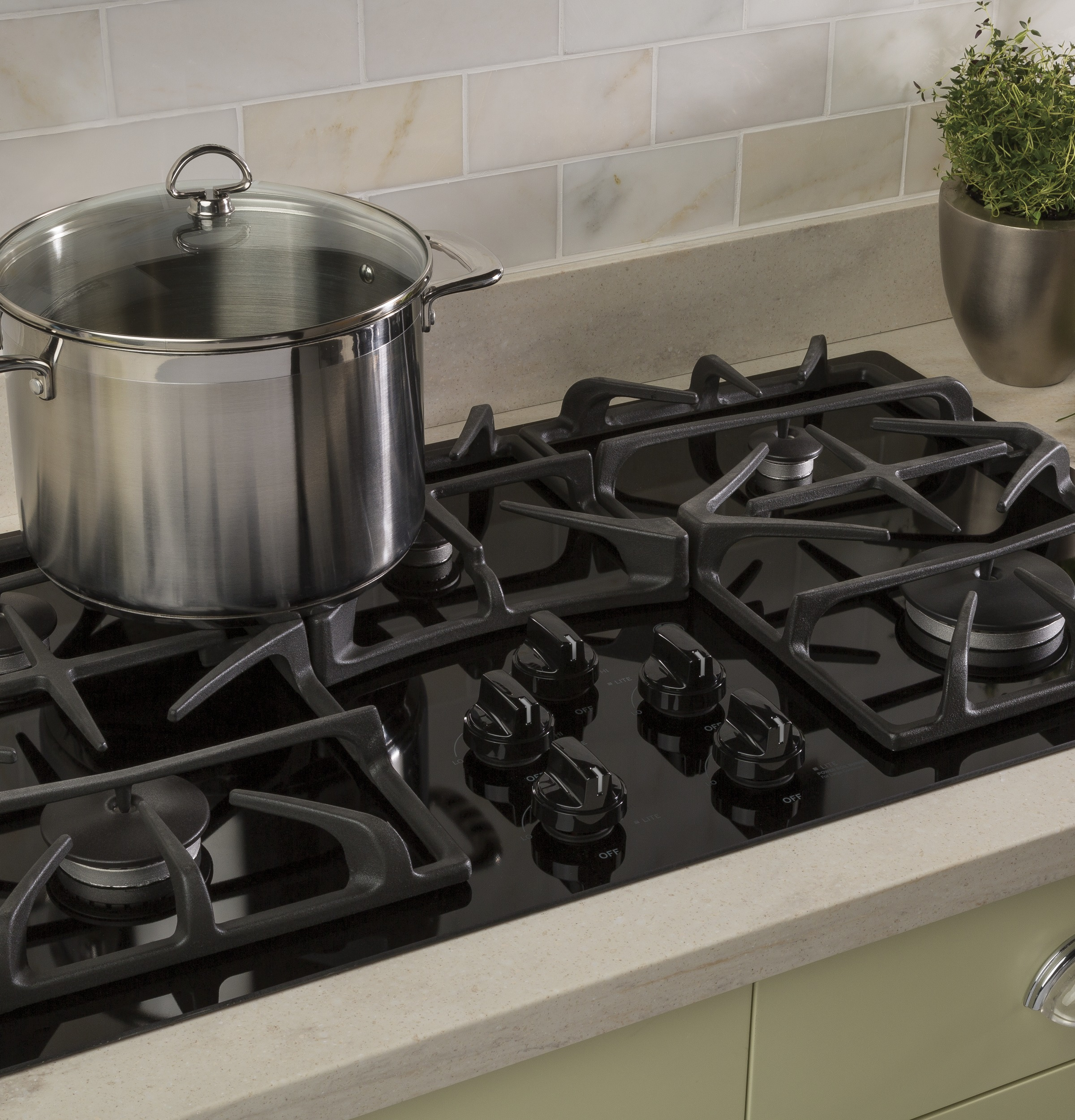 """Model: JGP5536DLBB 