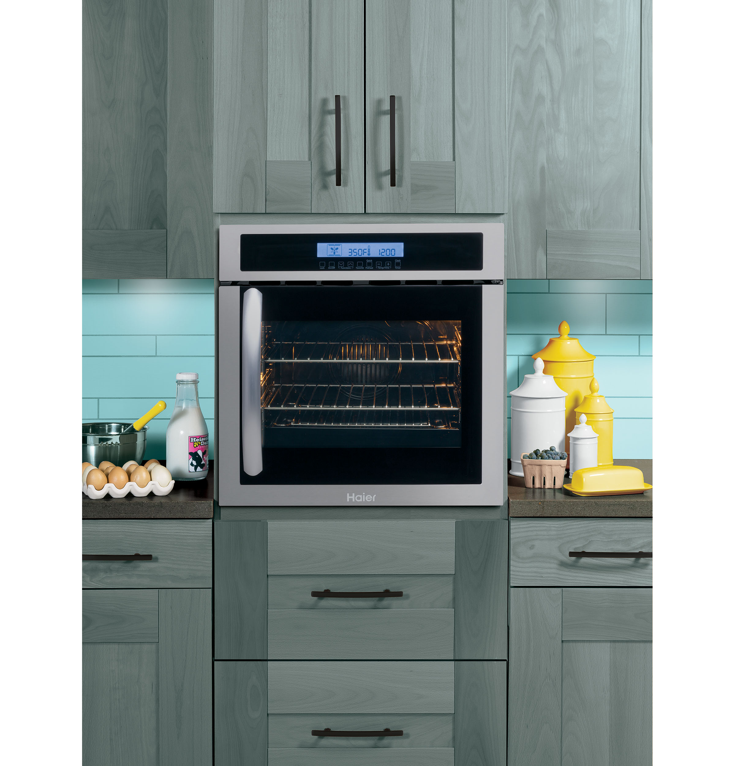 "Model: HCW225RAES | Haier 24"" Single 2.0 Cu. Ft. Right-Swing True European Convection Oven"