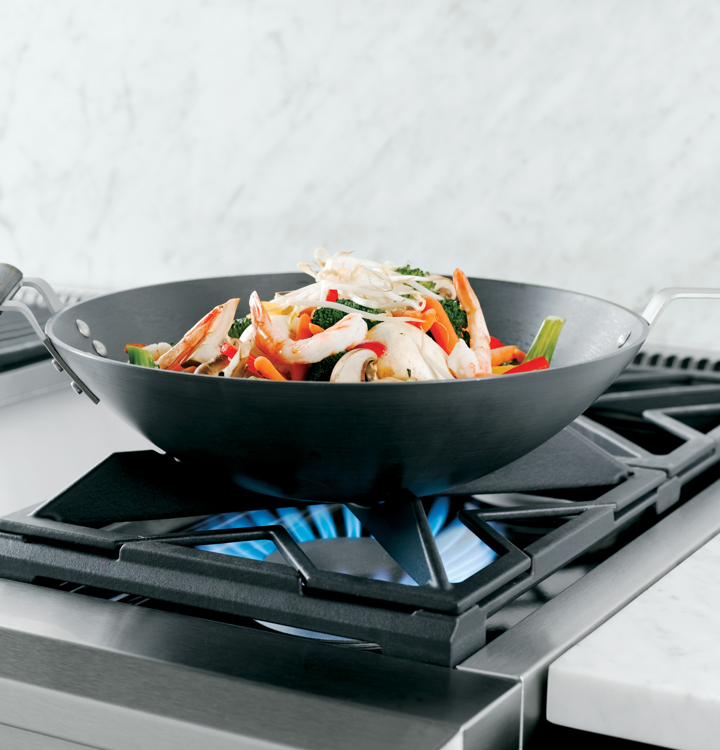 """Model: ZGU486NDPSS   Monogram Monogram 48"""" Professional Gas Rangetop with 6 Burners and Griddle (Natural Gas)"""
