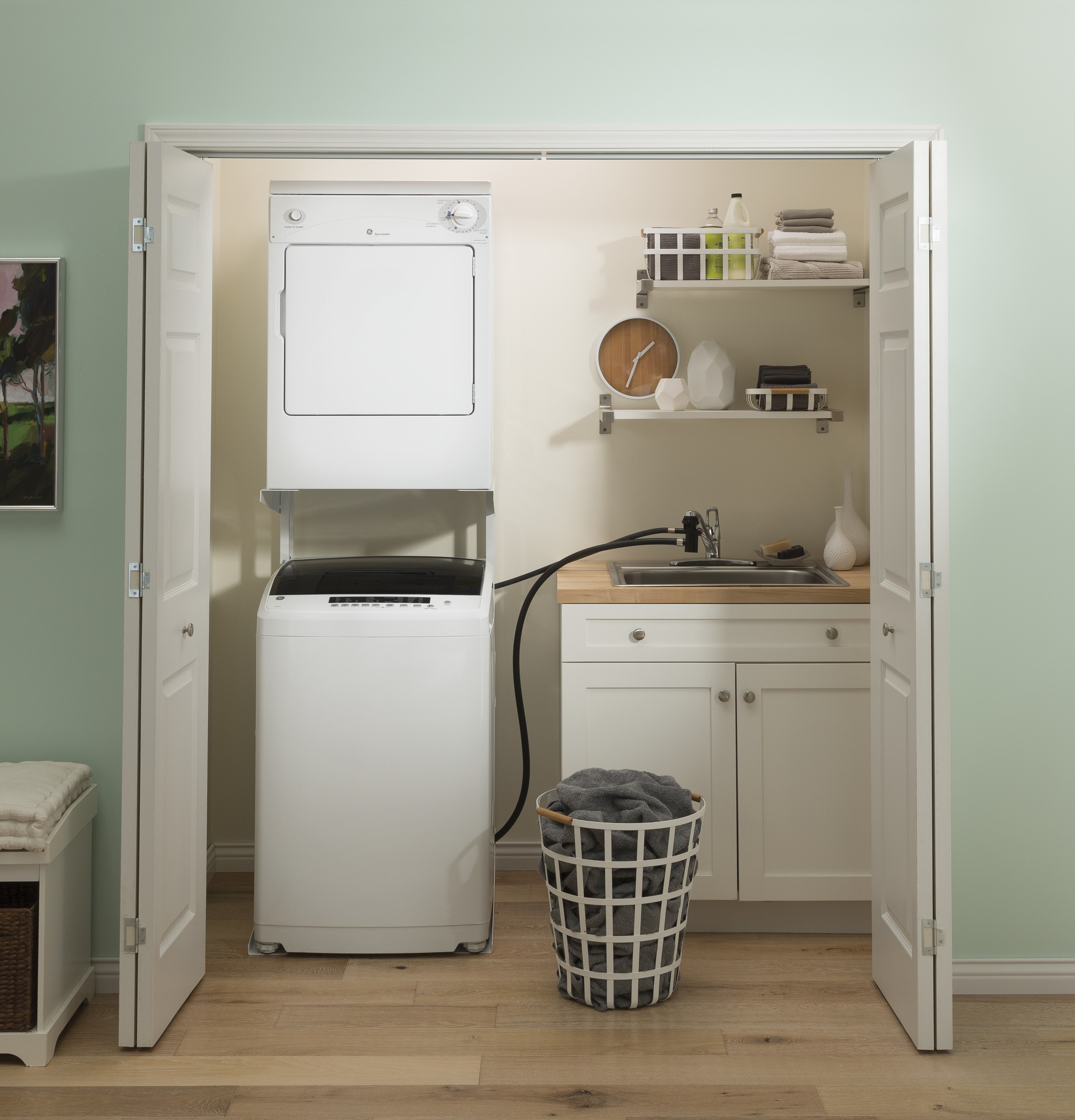 Model: GNW128PSMWW | GE GE® Space-Saving 2.8 cu. ft. Capacity Portable Washer with Stainless Steel Basket