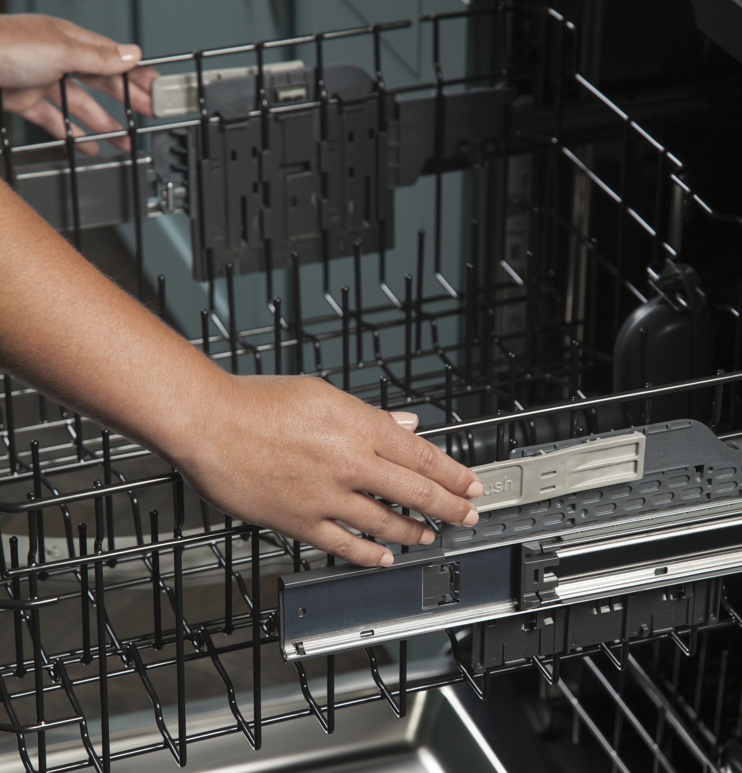 Model: GDT695SBLTS | GE® Stainless Steel Interior Dishwasher with Hidden Controls