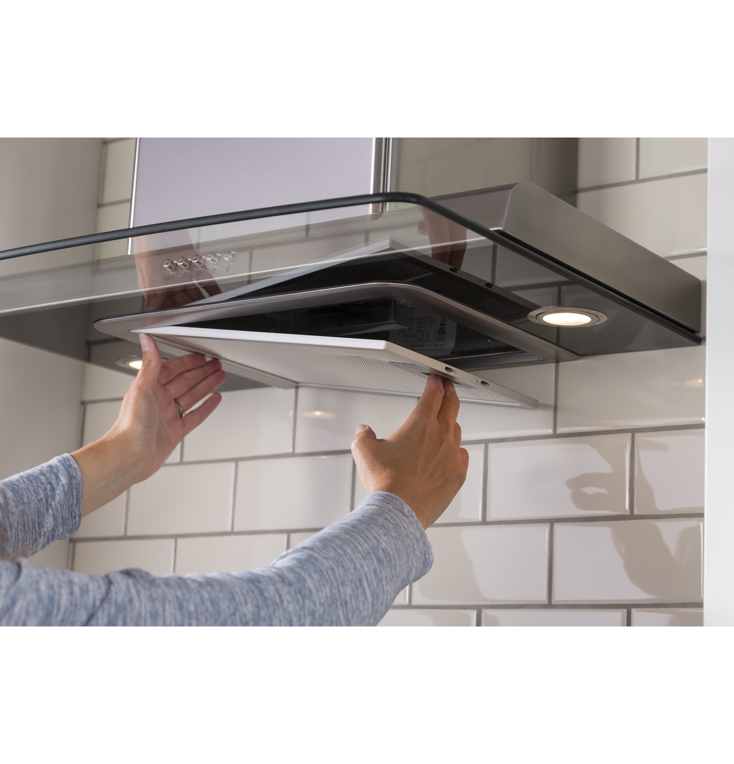 """Model: HCH2100ACS   Haier 24"""" Chimney Vent with Tempered Glass"""
