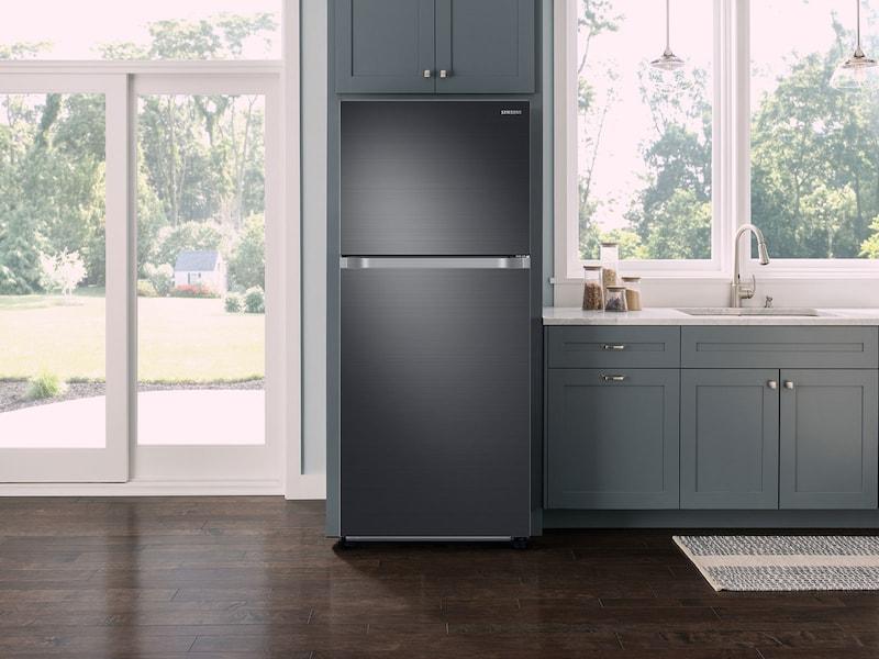 Model: RT21M6213SG | Samsung 21 cu. ft. Capacity Top Freezer Refrigerator with FlexZone™
