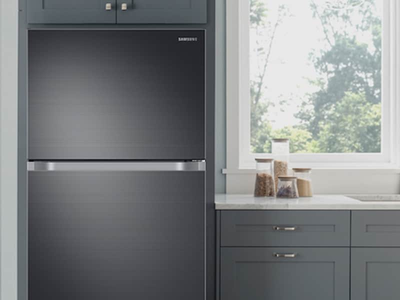 Model: RT21M6215SG | Samsung 21 cu. ft. Capacity Top Freezer Refrigerator with FlexZone™ and Automatic Ice Maker