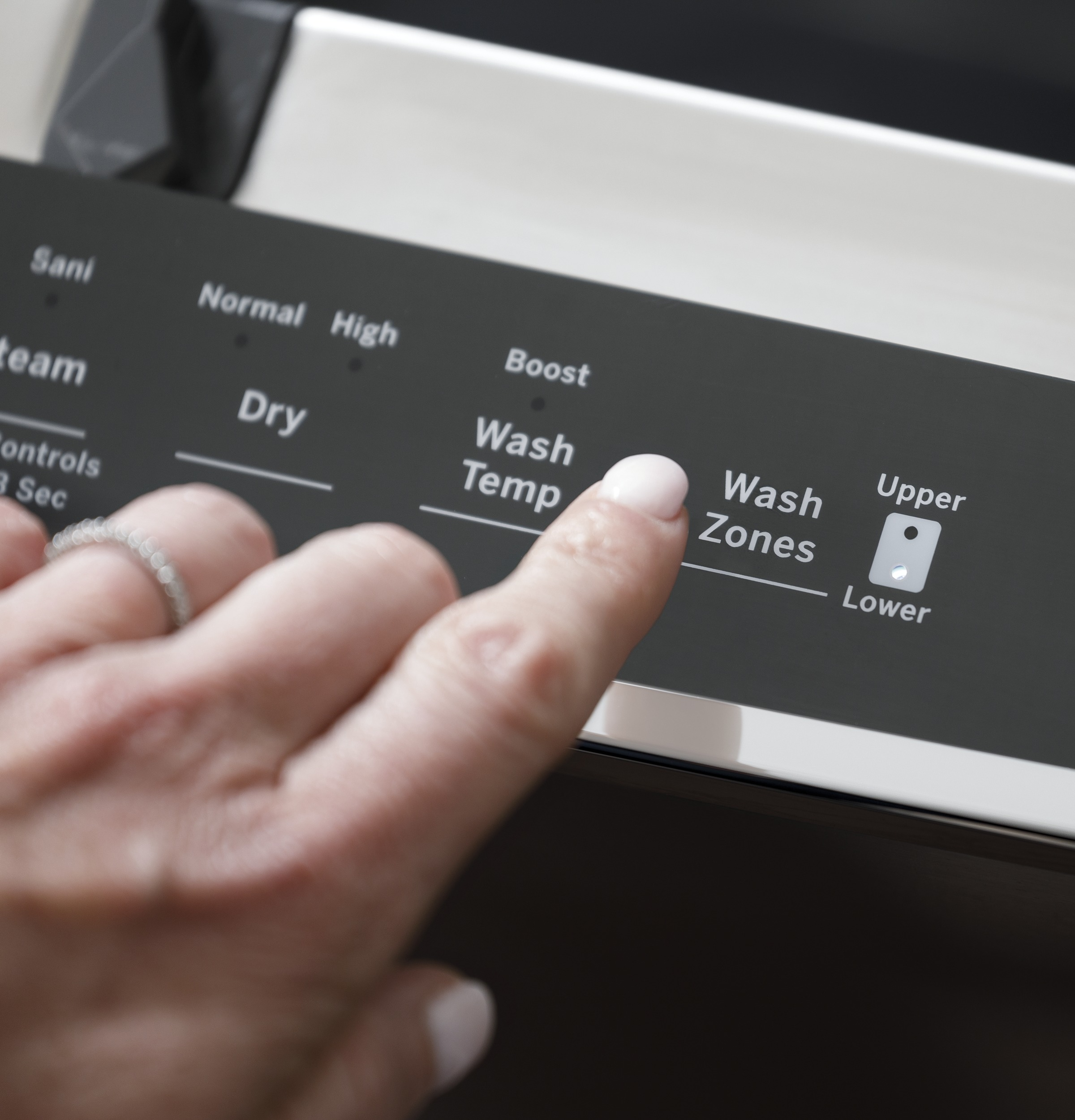 Model: GDT645SMNES | GE GE® Stainless Steel Interior Dishwasher with Hidden Controls