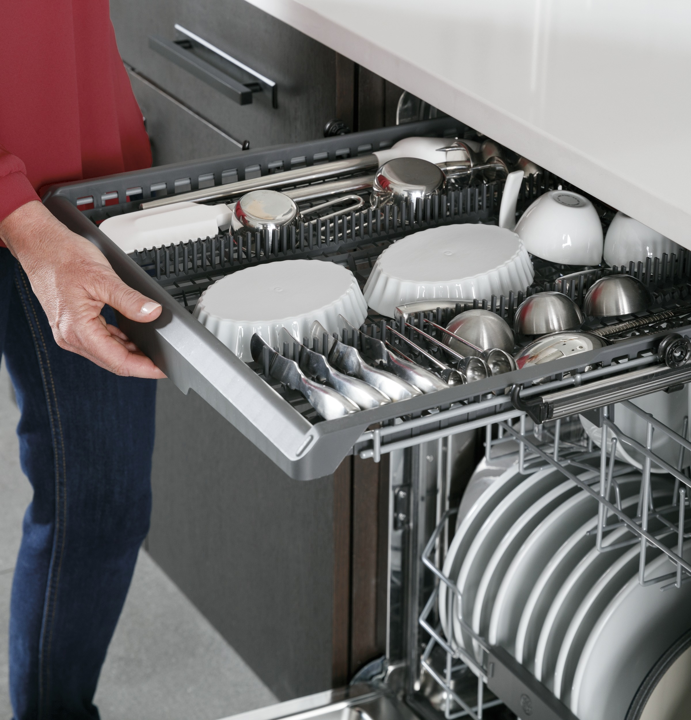 Model: PDP715SBNTS | GE Profile GE Profile™ Stainless Steel Interior Dishwasher with Hidden Controls