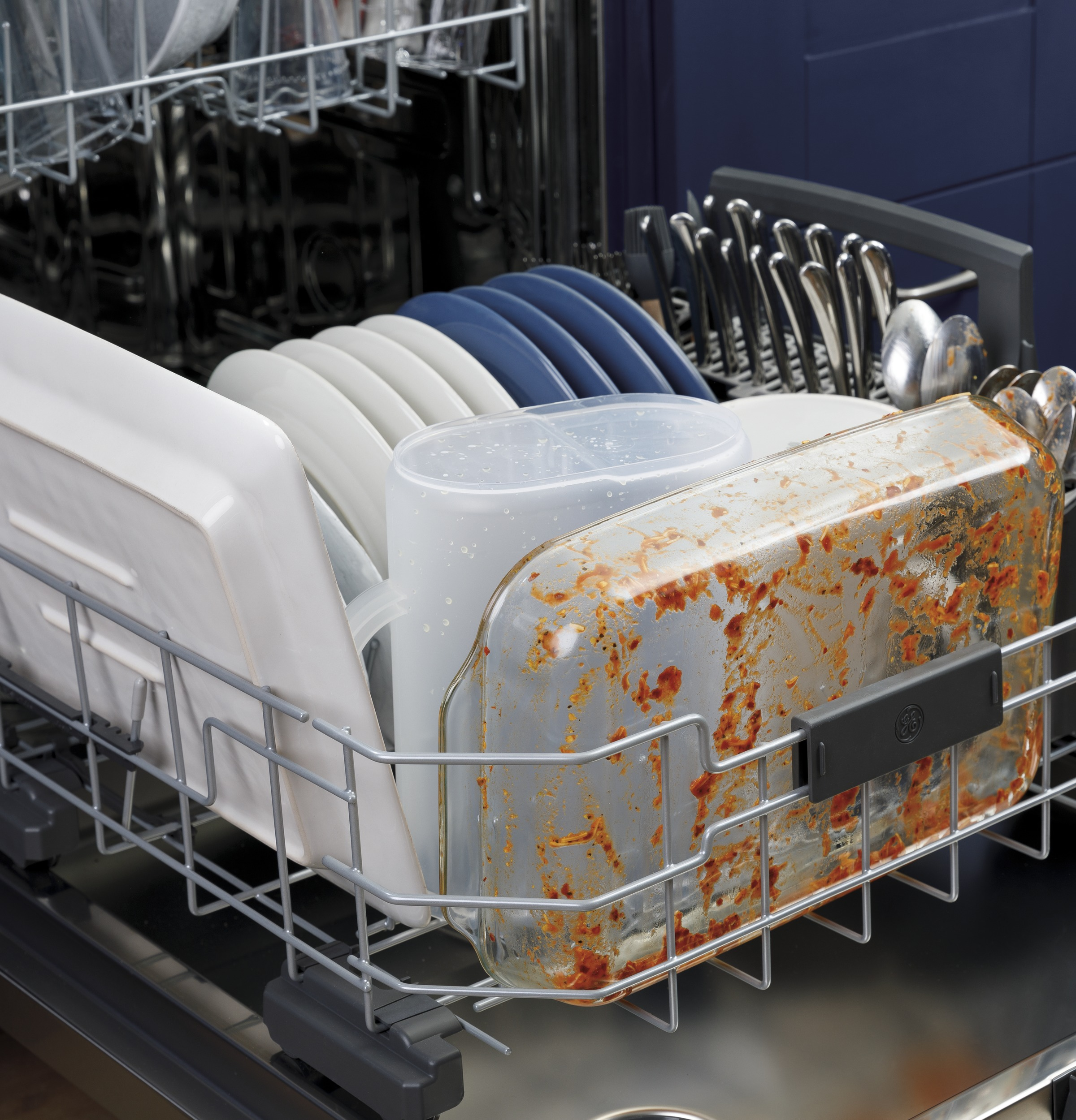 Model: GDF565SSNSS | GE GE® Stainless Steel Interior Dishwasher with Front Controls