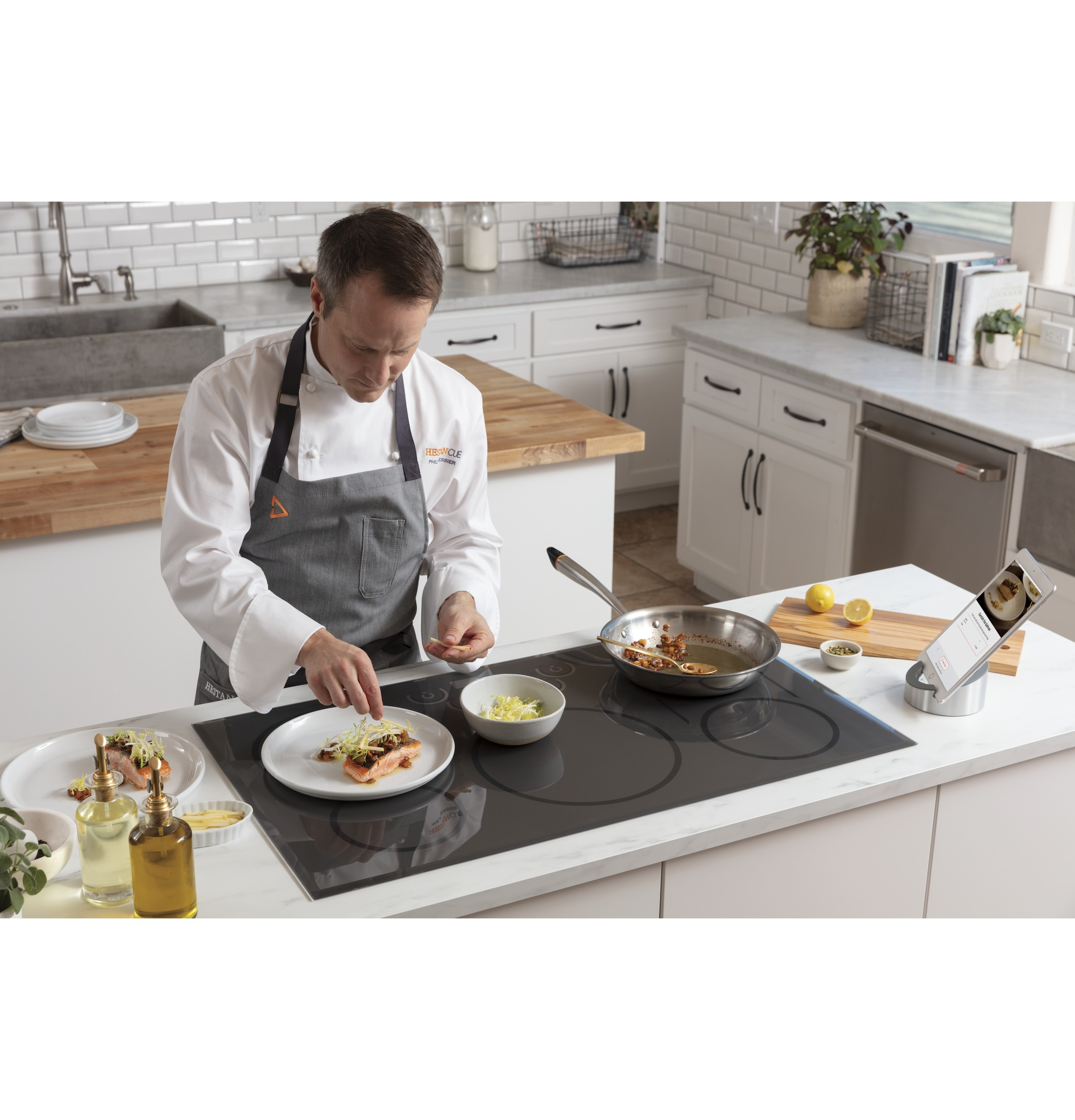 "Model: CHP95302MSS | Cafe Café™ 30"" Smart Touch-Control Induction Cooktop"