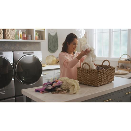 Model: WFW9620HC | Whirlpool 5.0 cu. ft. Smart Front Load Washer with Load & Go™ XL Plus Dispenser