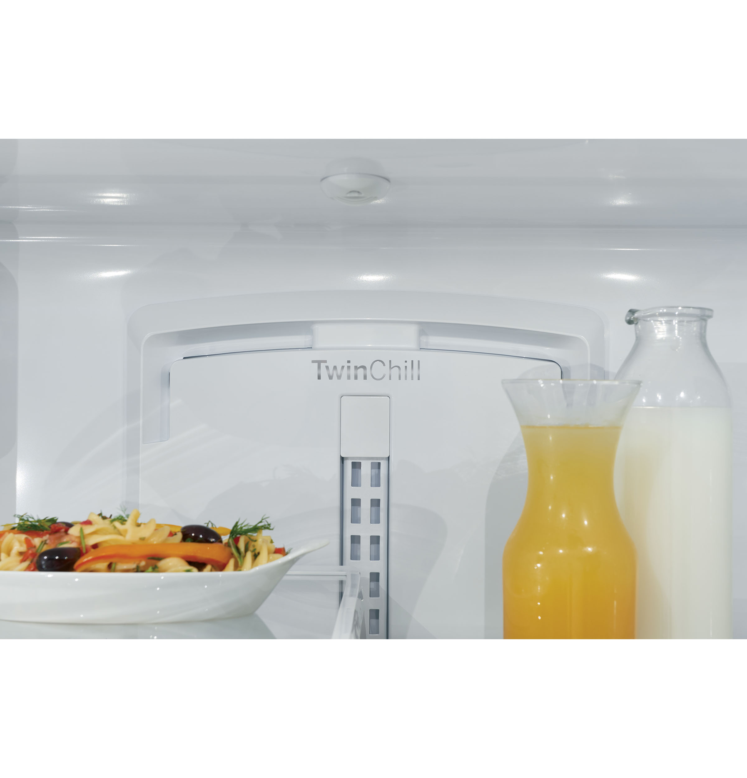 Model: CFE28TP4MW2 | Cafe Café™ ENERGY STAR® 27.8 Cu. Ft. Smart French-Door Refrigerator with Hot Water Dispenser