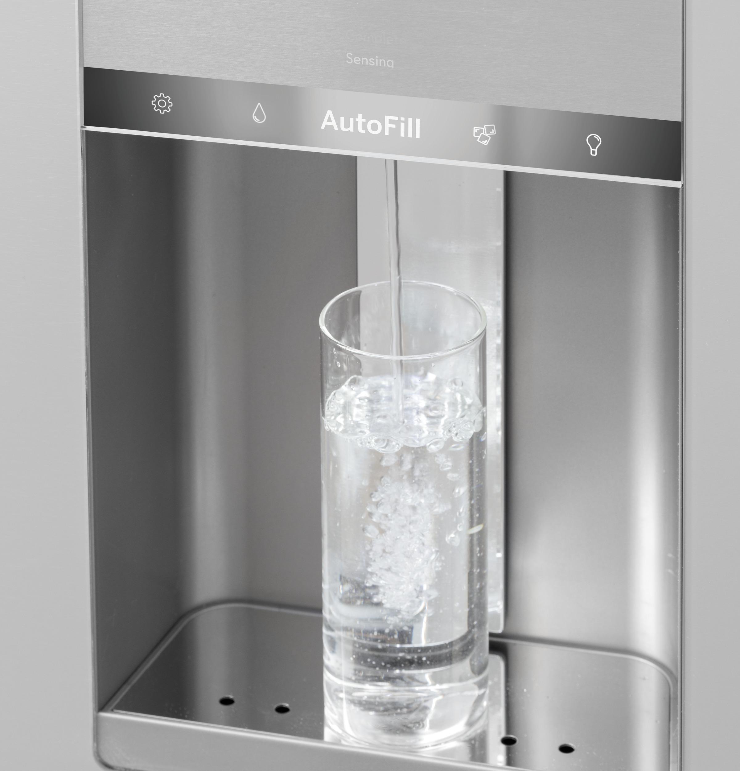 Model: CVE28DM5NS5 | Cafe Café™ ENERGY STAR® 27.8 Cu. Ft. Smart 4-Door French-Door Refrigerator in Platinum Glass