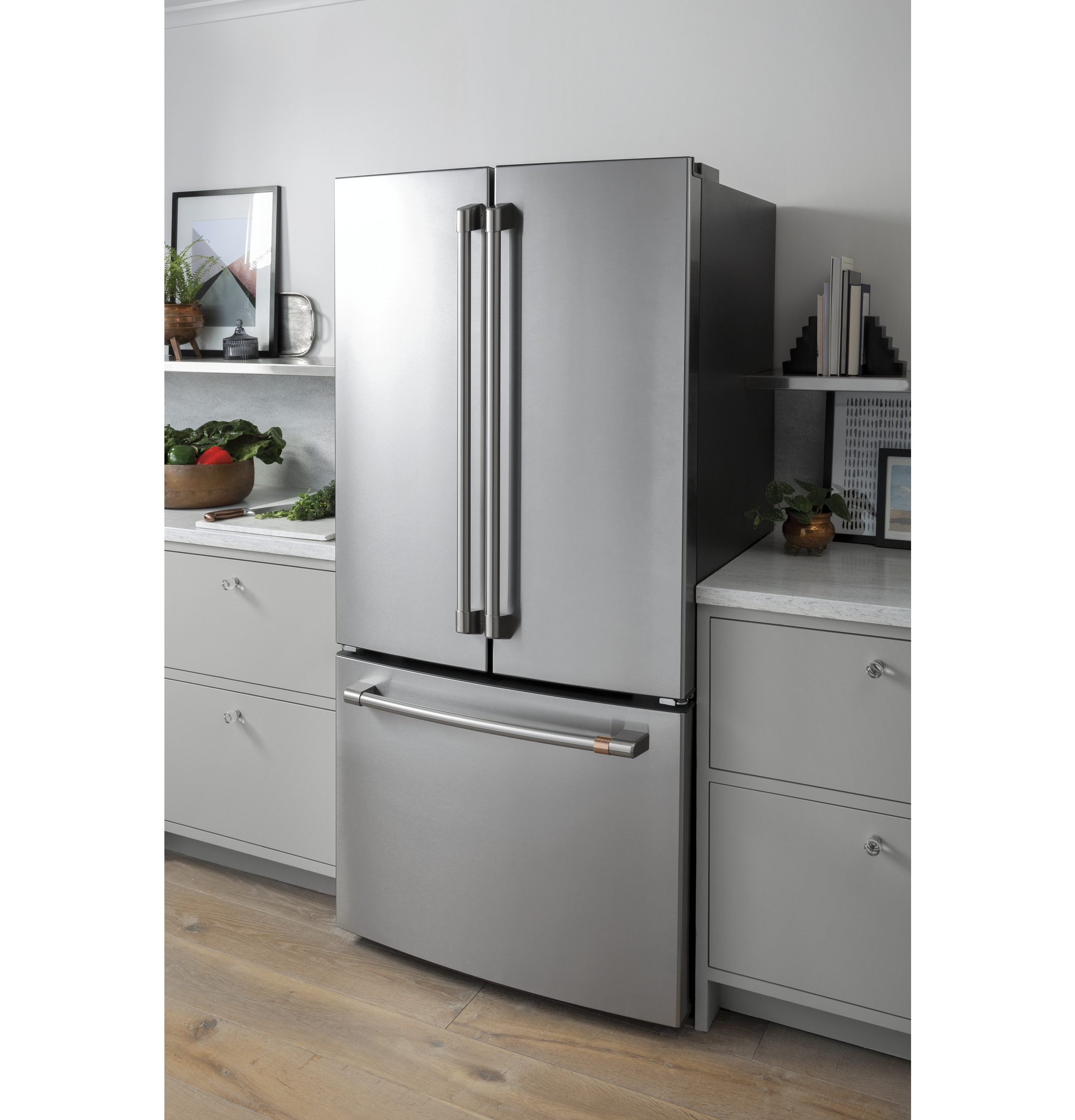 Model: CWE19SP3ND1 | Cafe Café™ ENERGY STAR® 18.6 Cu. Ft. Counter-Depth French-Door Refrigerator