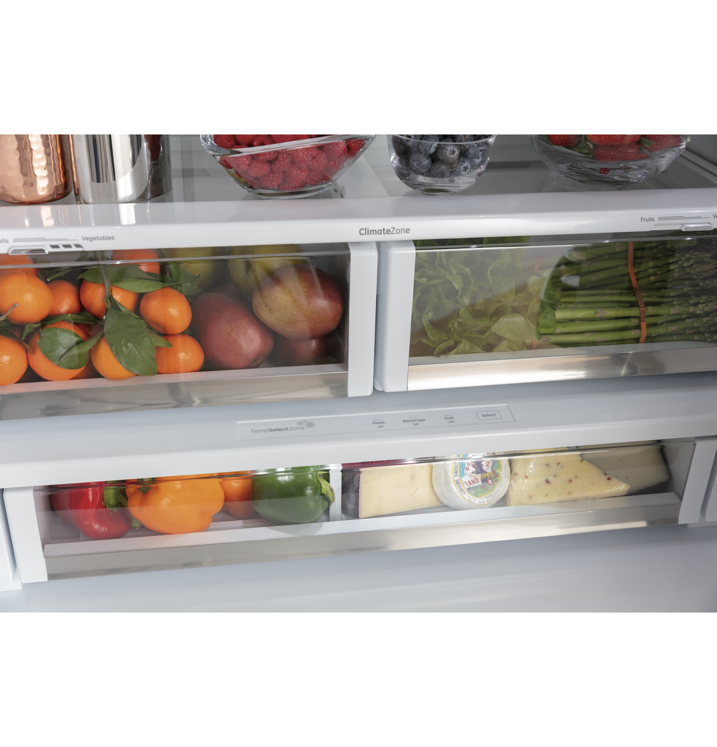Model: CWE23SP3MD1 | Cafe Café™ ENERGY STAR® 23.1 Cu. Ft. Smart Counter-Depth French-Door Refrigerator