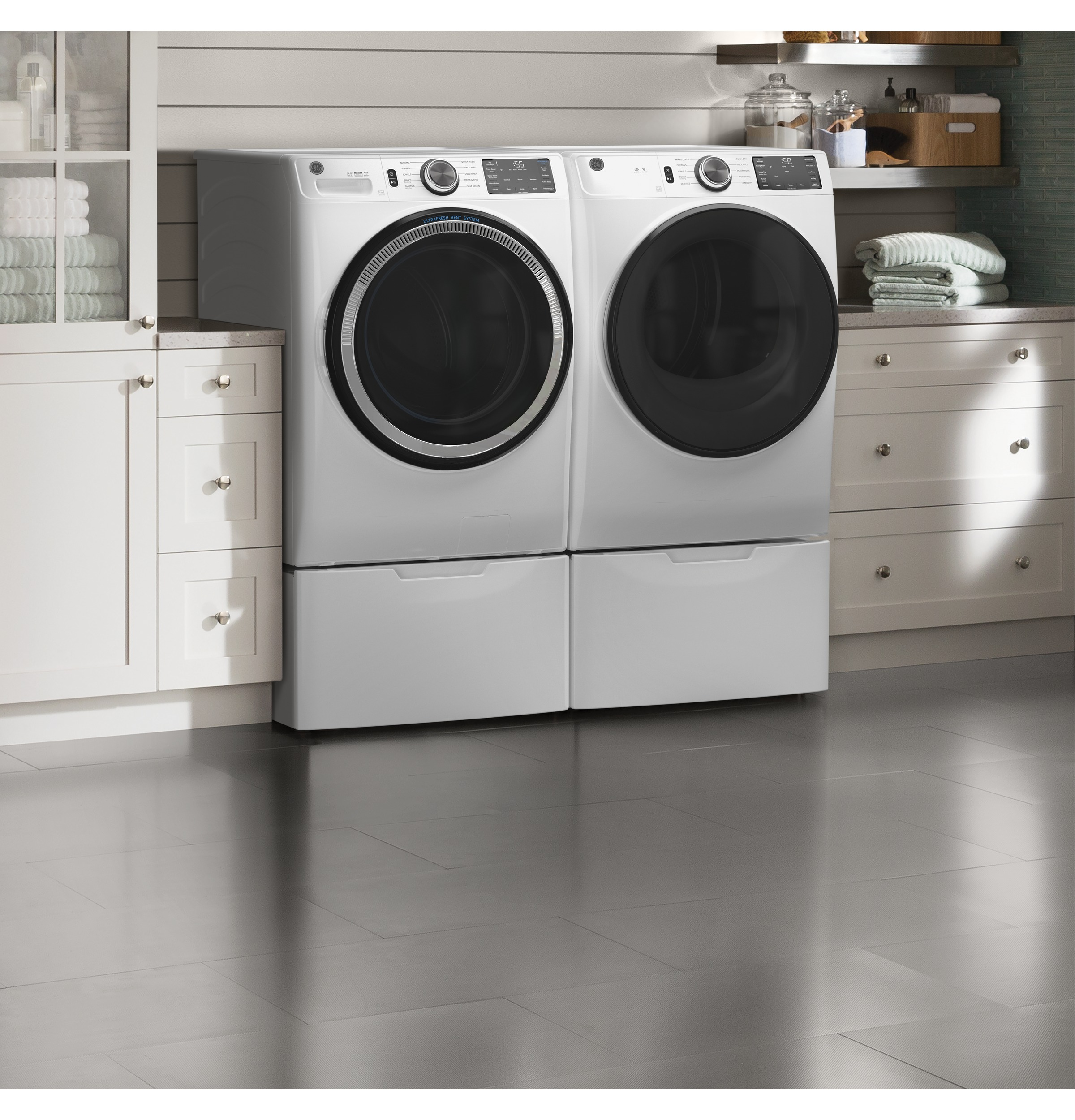 Model: GFD55ESSNWW | GE GE® 7.8 cu. ft. Capacity Smart Front Load Electric Dryer with Sanitize Cycle