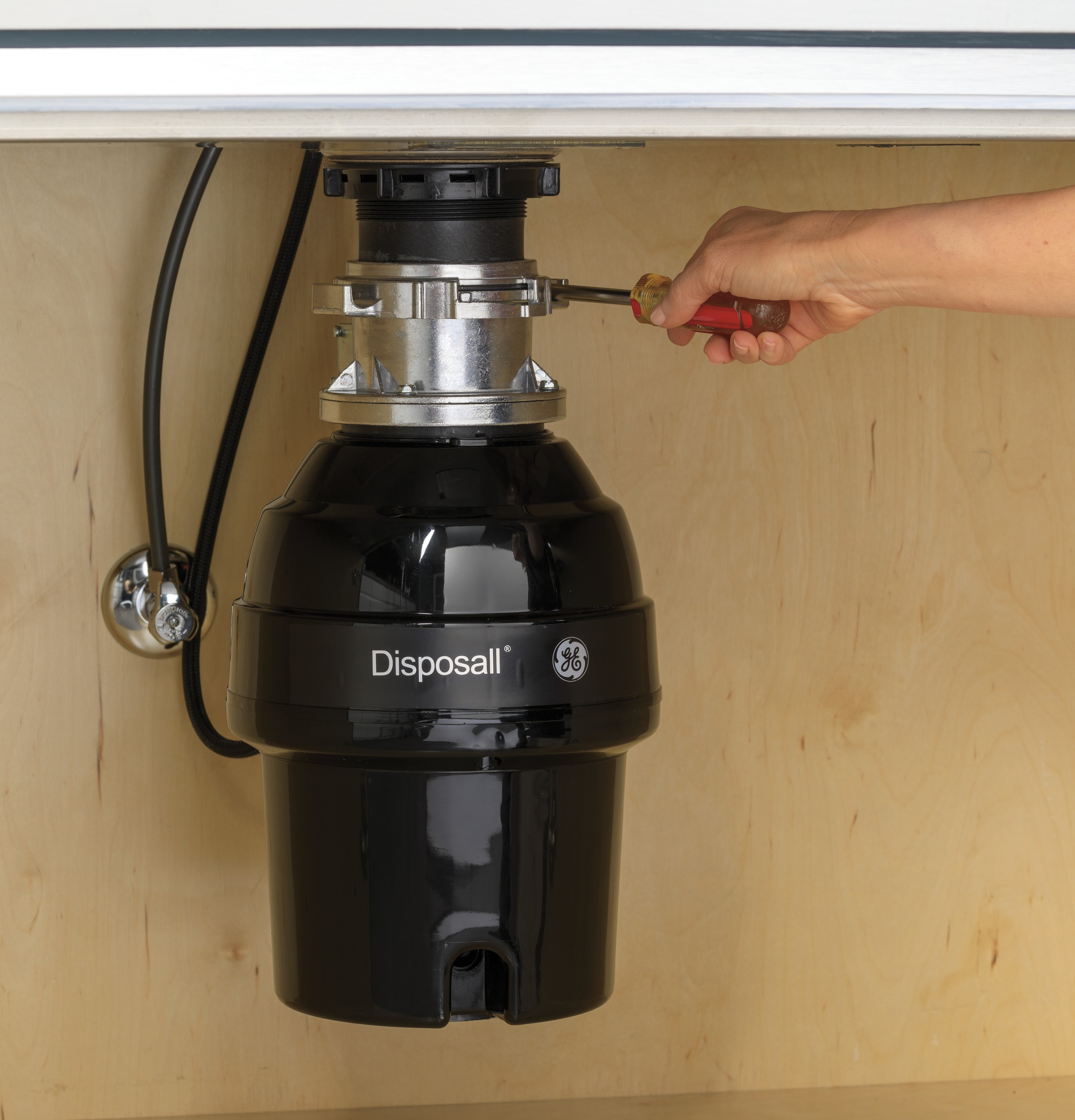 Model: GFB760N | GE GE® 3/4 HP Batch Feed Garbage Disposer Non-Corded