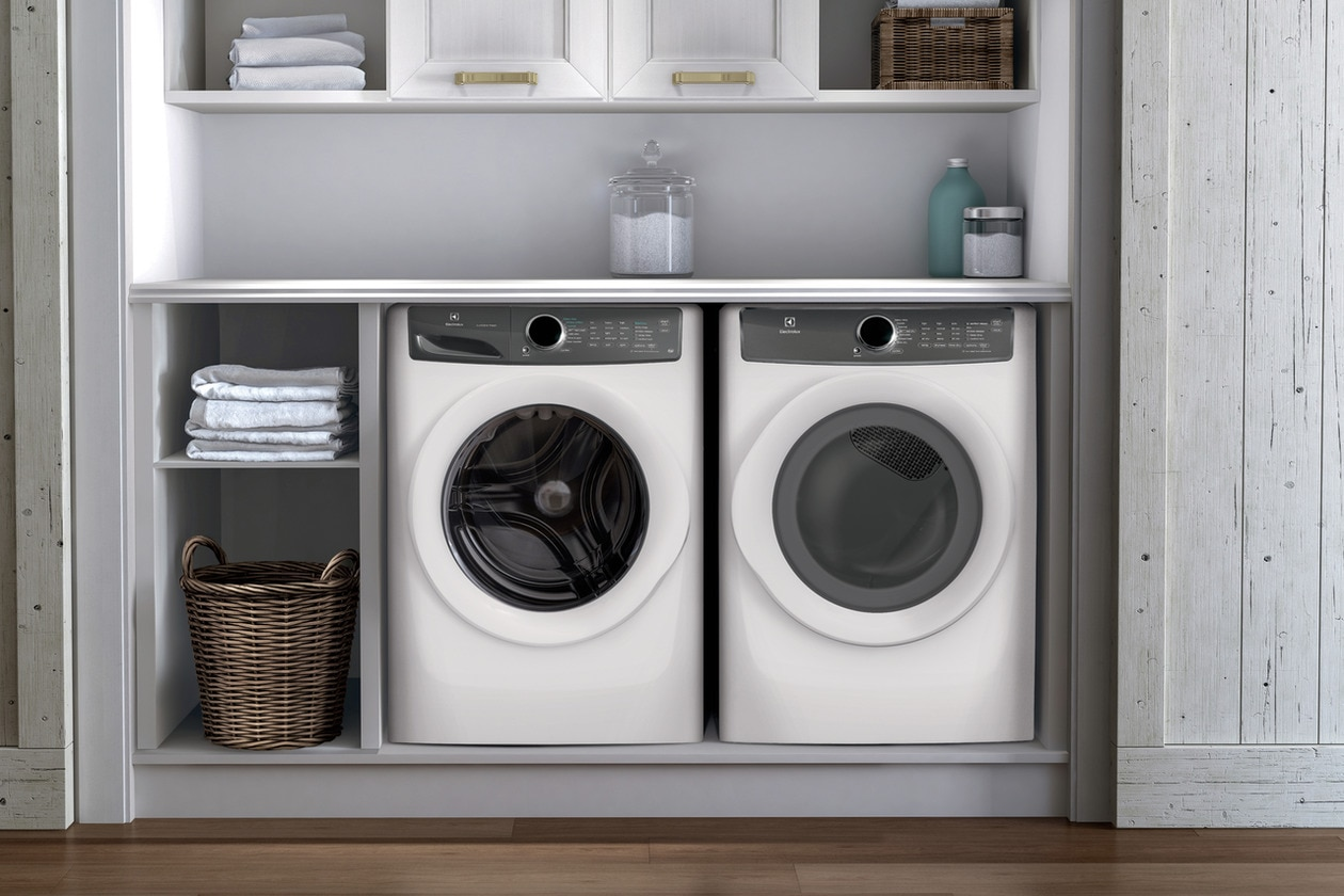 Model: EFLS627UIW | Electrolux Front Load Perfect Steam™ Washer with LuxCare® Wash and SmartBoost® - 4.4 Cu.Ft.