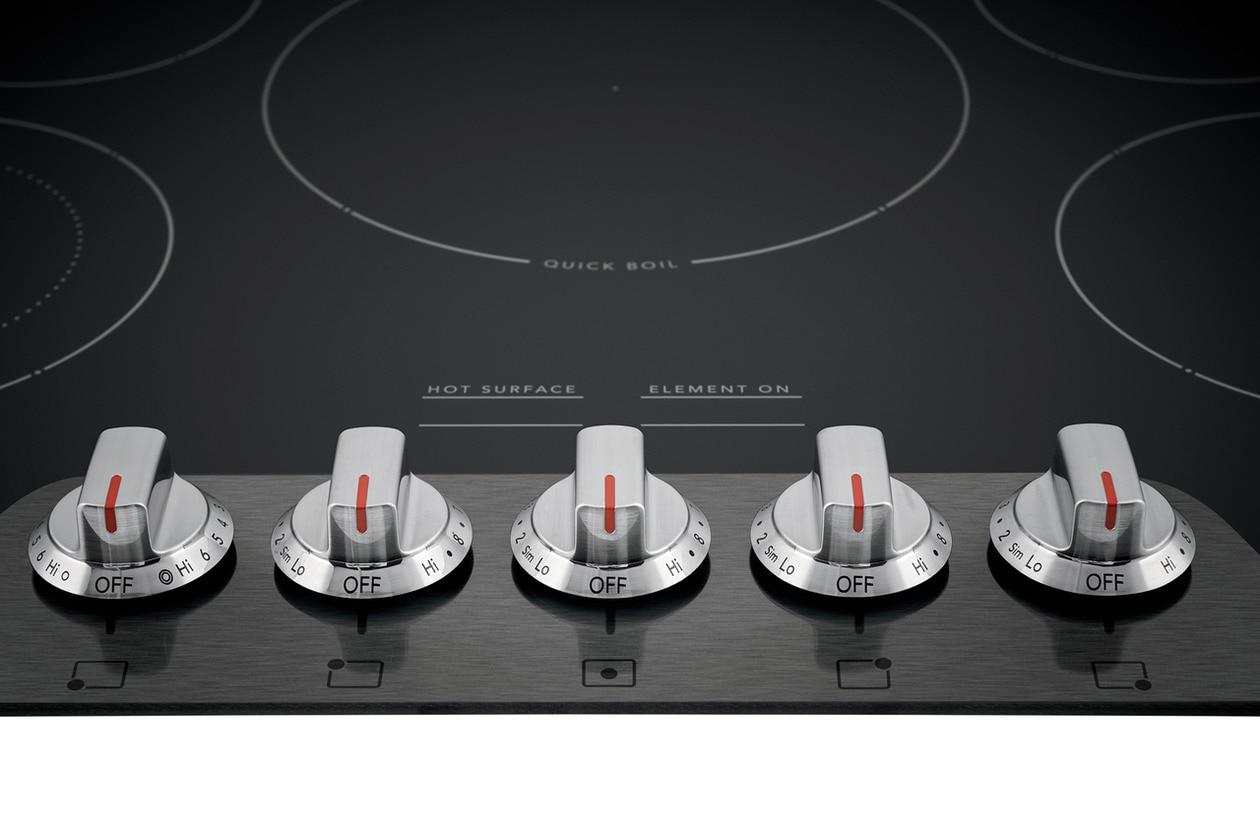 "Model: FGEC3048US | Frigidaire Gallery 30"" Electric Cooktop"