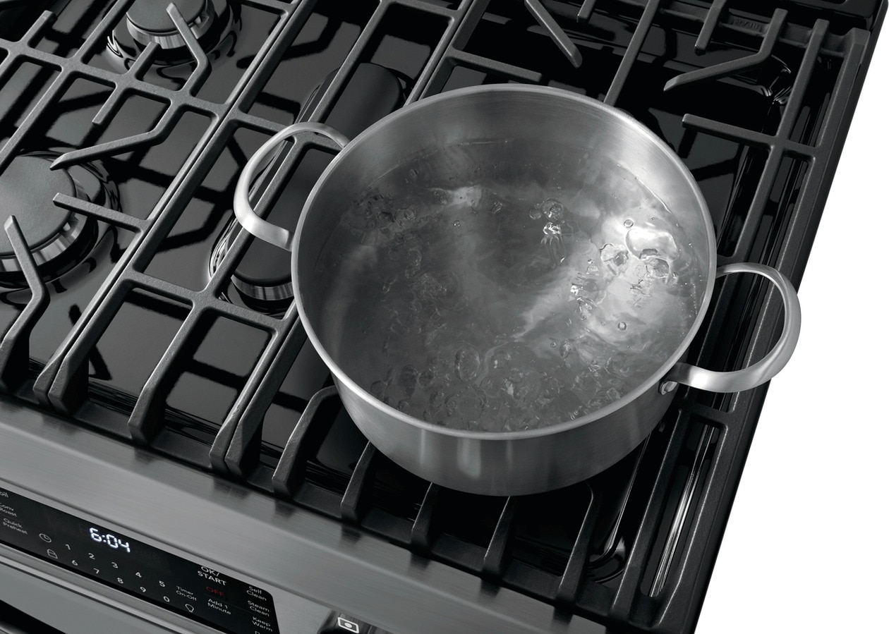 """Model: FGGH3047VD   Frigidaire Gallery 30"""" Front Control Gas Range with Air Fry"""