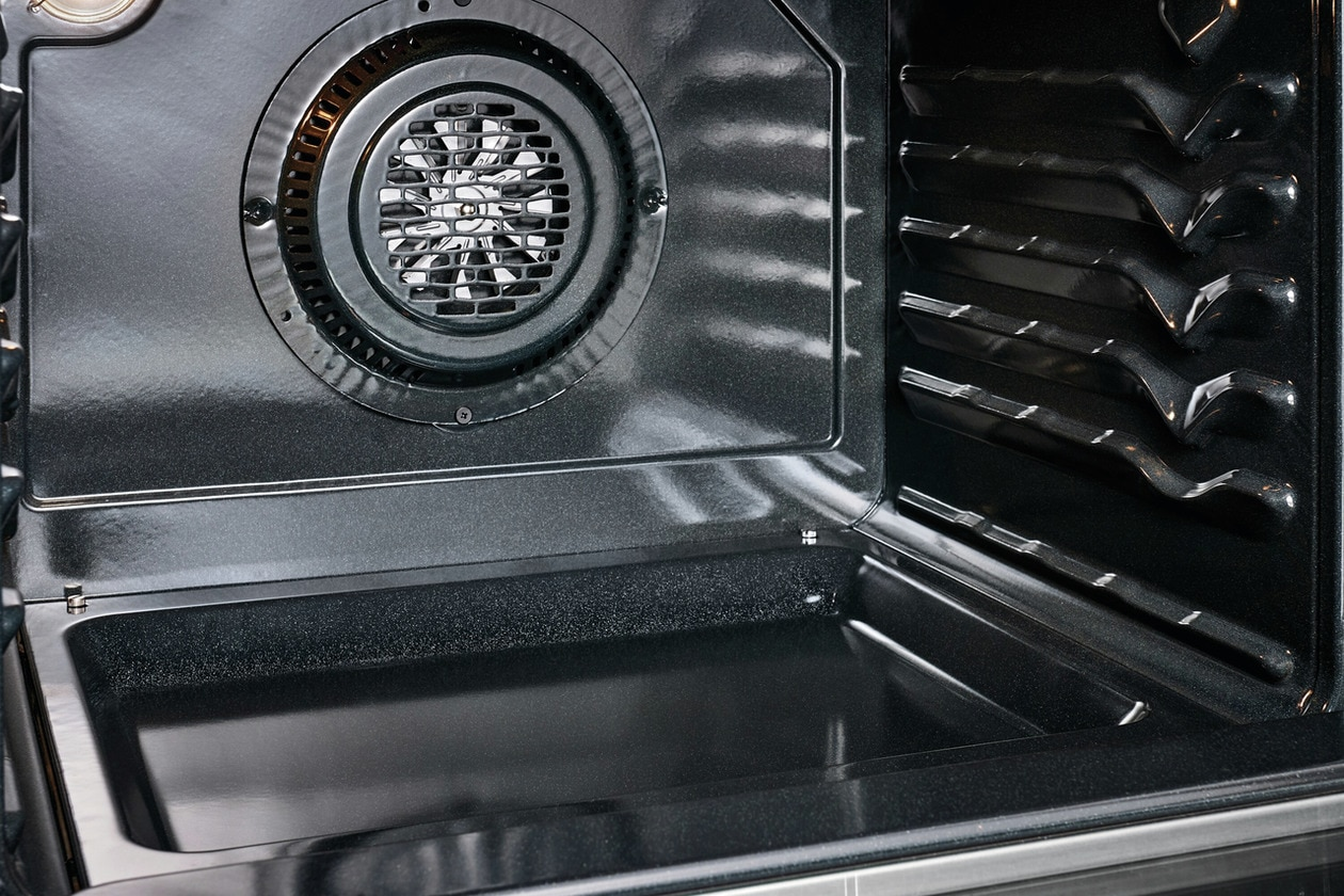 """Model: GCRG3060AD 