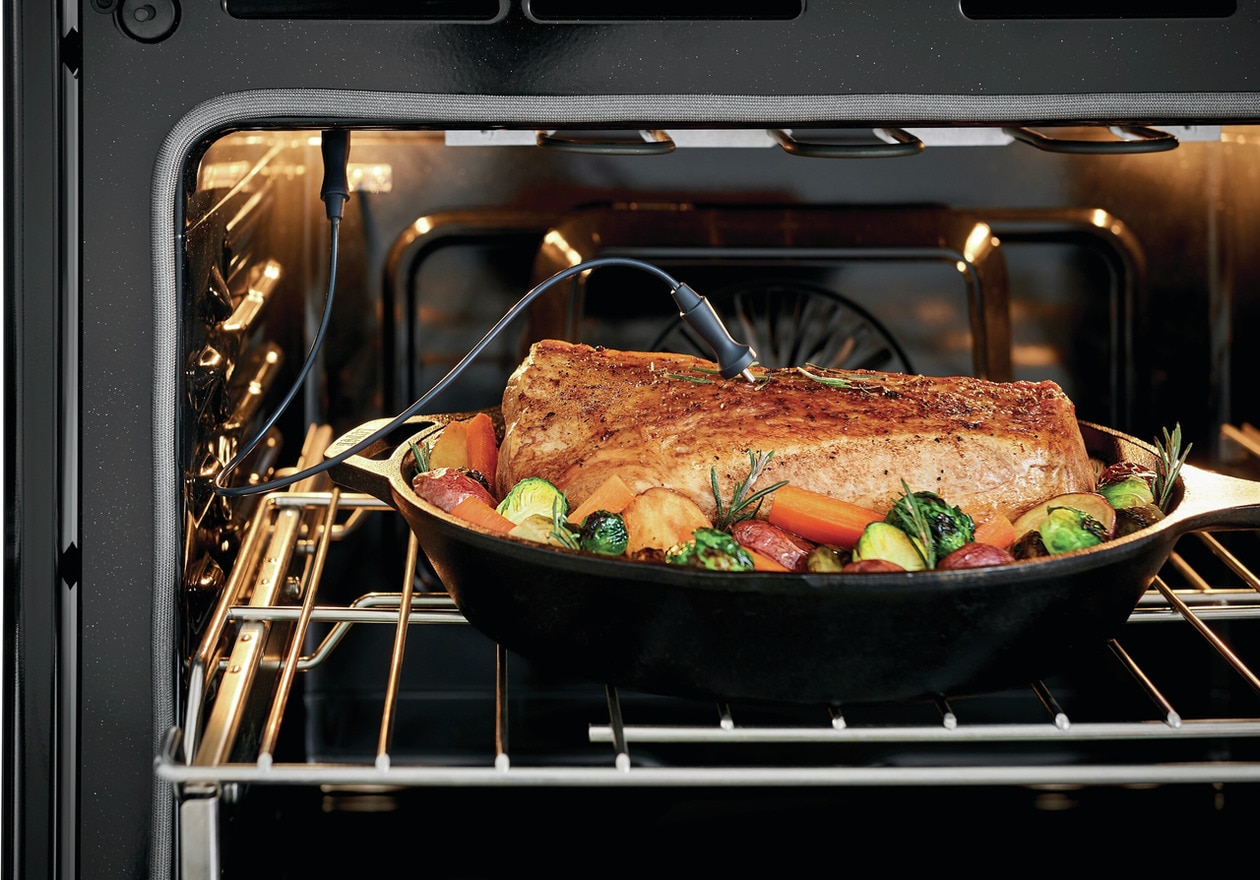 """Model: PCFE3078AF   Frigidaire Professional 30"""" Front Control Electric Range with Air Fry"""
