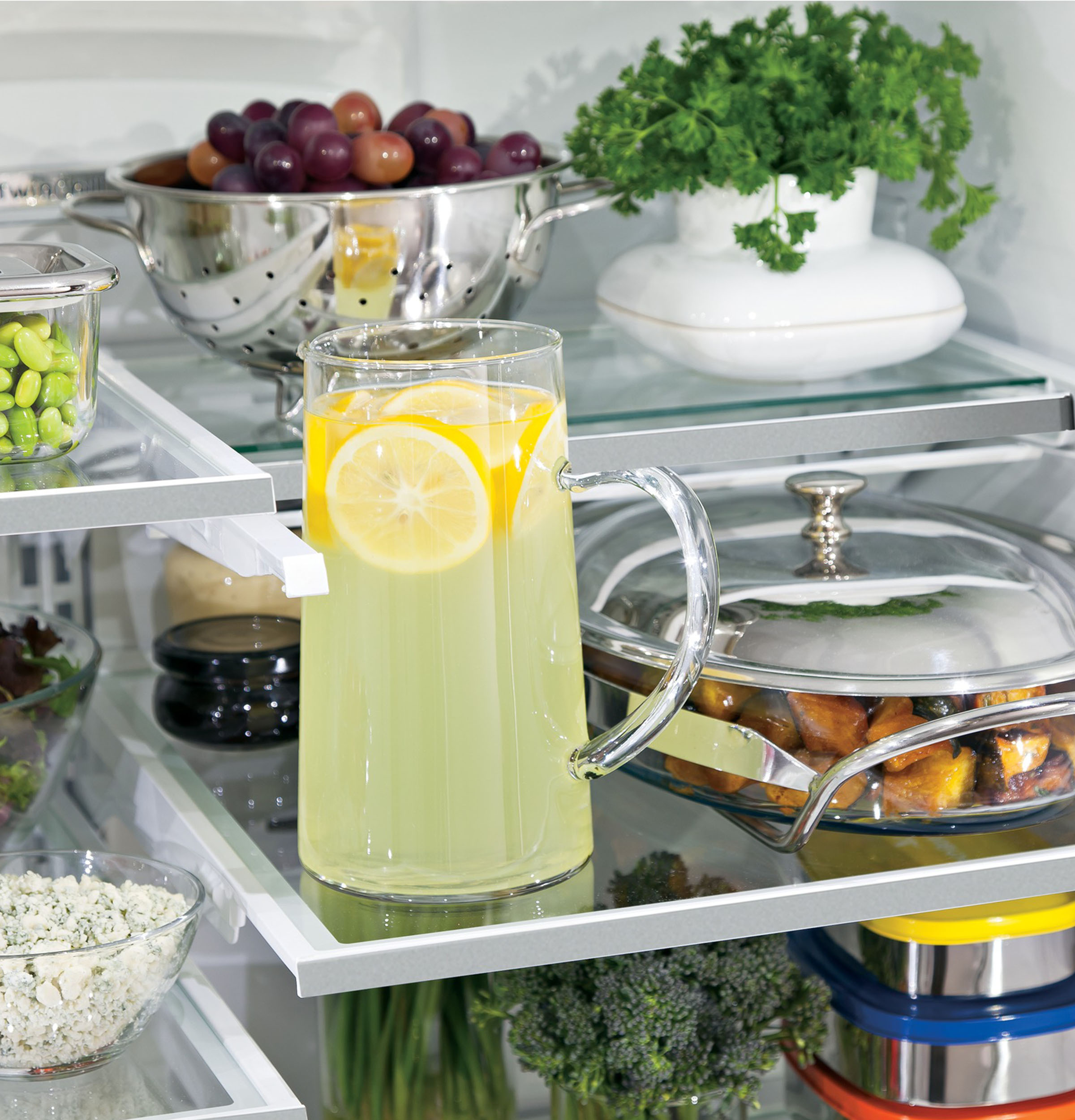 Model: PYE22KBLTS | GE Profile GE Profile™ Series ENERGY STAR® 22.1 Cu. Ft. Counter-Depth French-Door Refrigerator with Hands-Free AutoFill