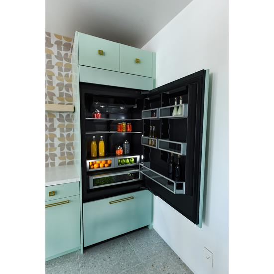 "Jenn-Air 36"" Fully Integrated Built-In Bottom-Freezer Refrigerator (Right-Hand Door Swing)"